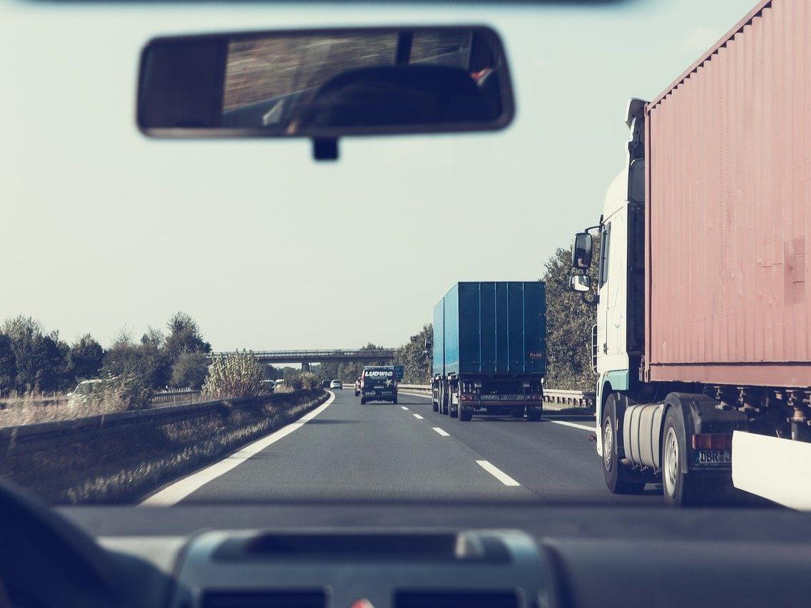 Ab 2018 soll in Österreich die digitale Autobahnvignette verfügbar sein.