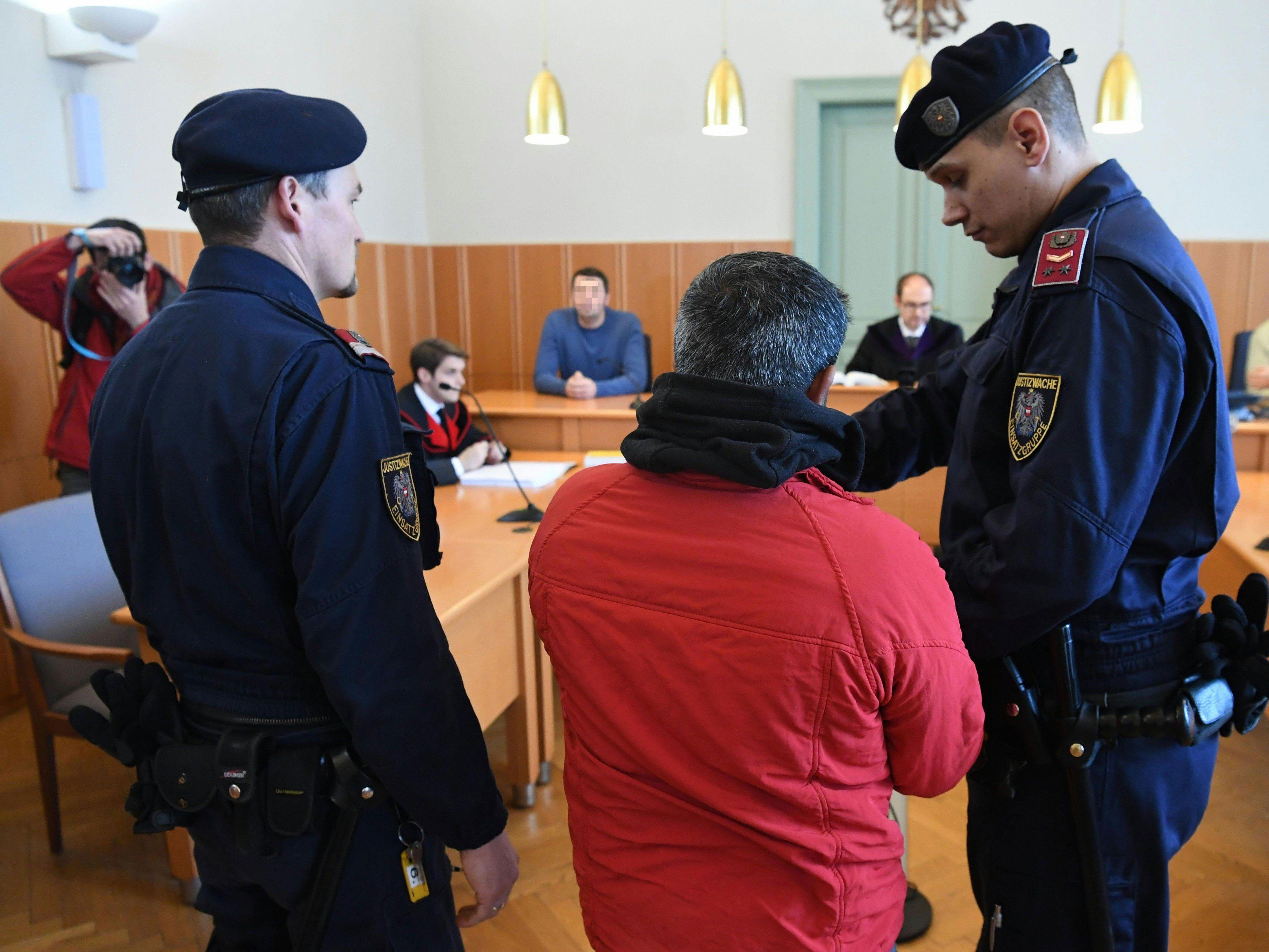 Beim Prozess wegen Schlepperei am Landesgericht St. Pölten
