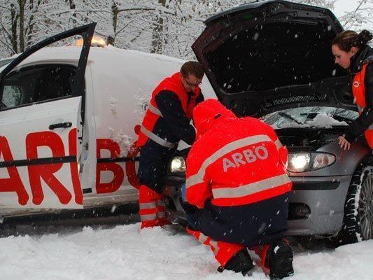 Bei großer Kälte gibt es so manche Herausforderung für Autofahrer