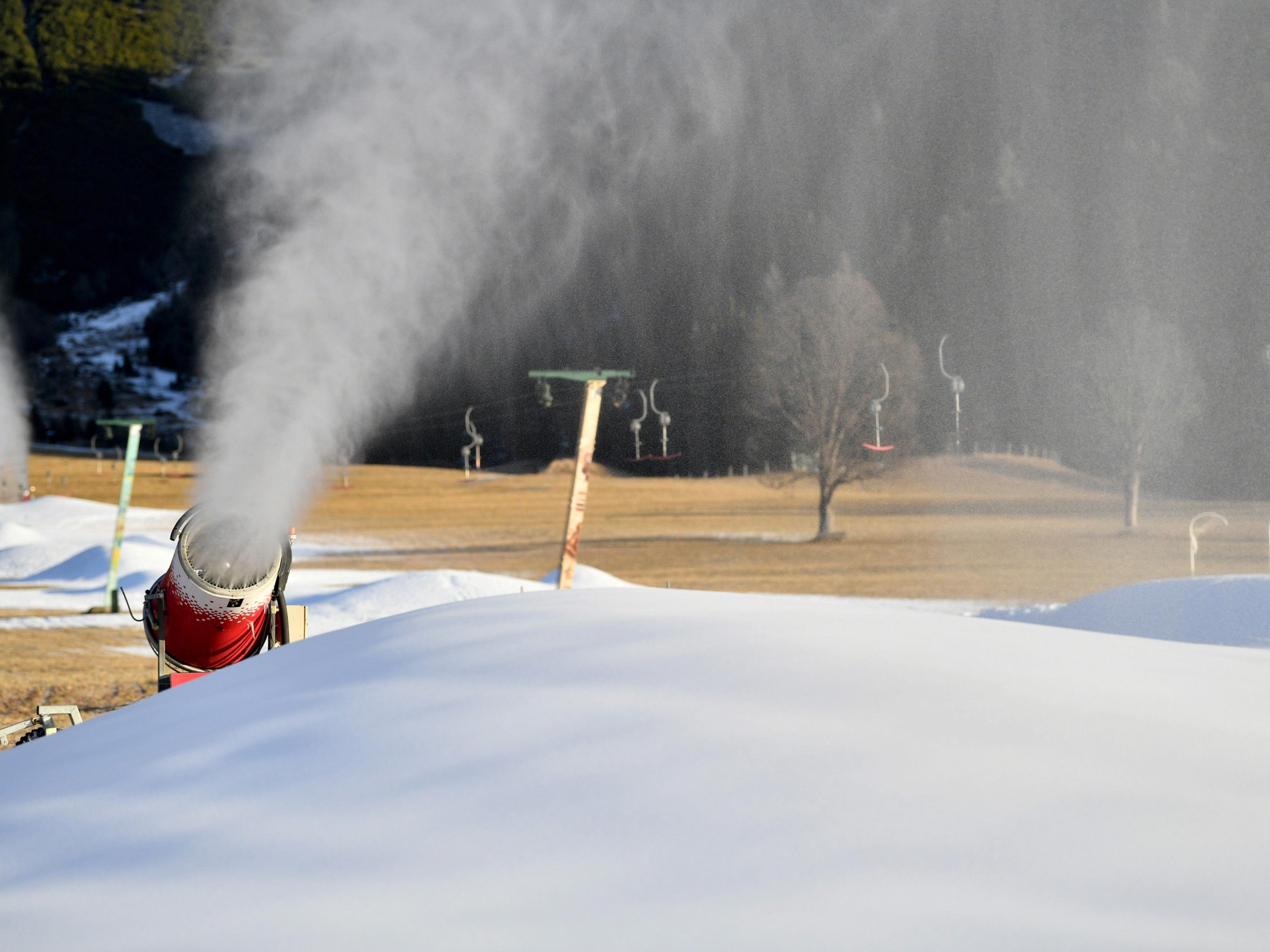 Immer öfter kommen Schneekanonen zum Einsatz.