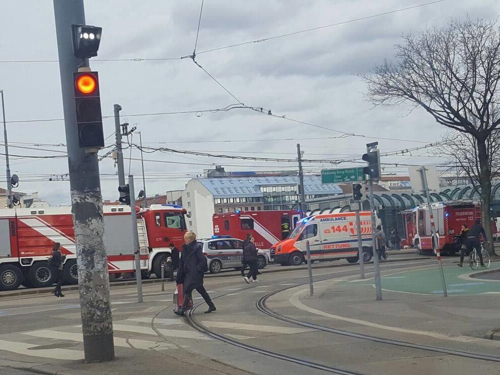 Feuerwehreinsatz bei der Station Schottenring.