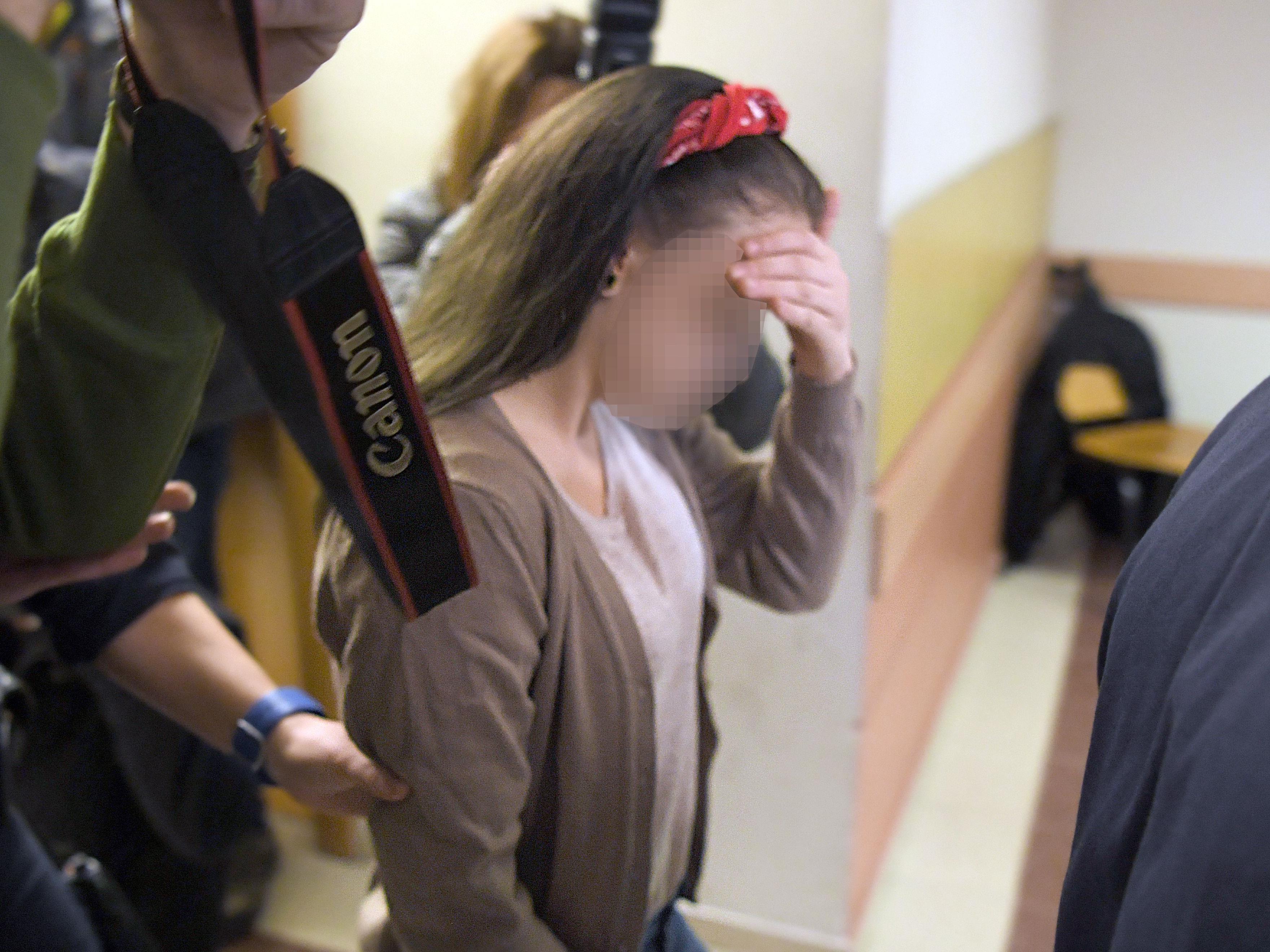 Für fünf Angeklagte setzte es im Prügelvideo-Prozess teilbedingte Haftstrafen.