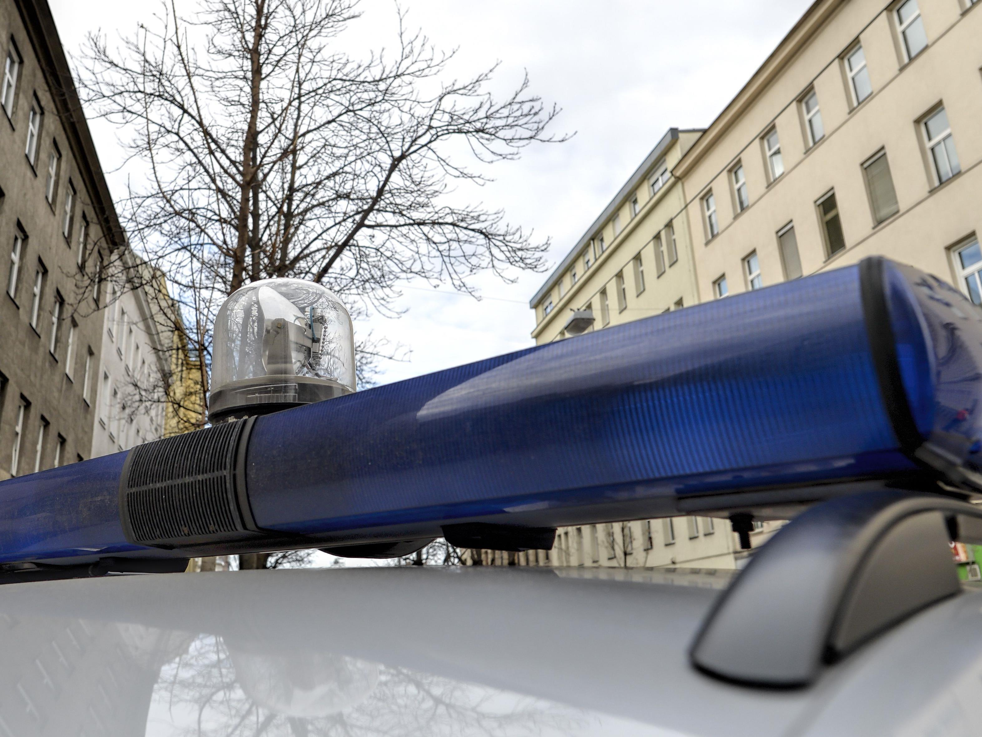 Ein 21-Jähriger verletzte bei einer Attacke einen Polizisten in Wien-Brigittenau.