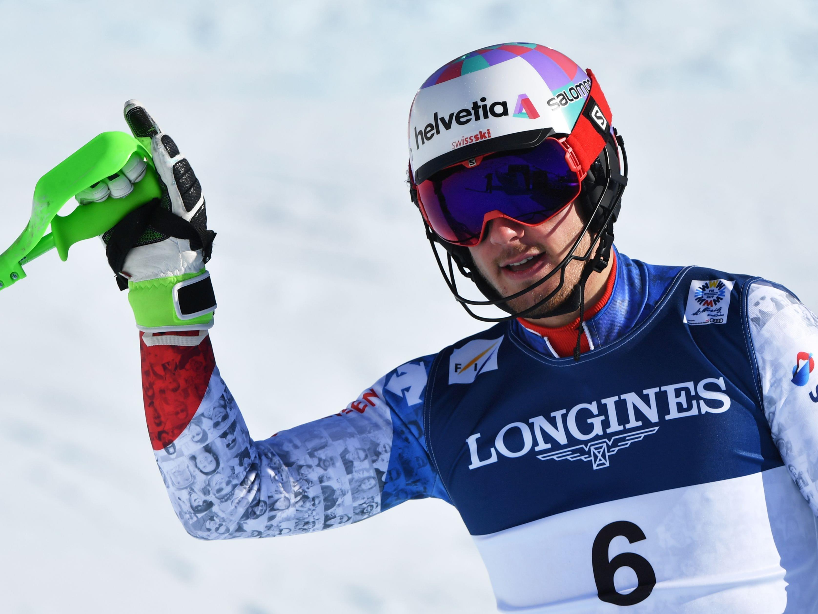 Der Schweizer Luca Aerni freut sich über Kombi-Gold.