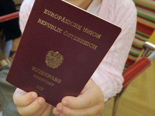 Die Zahl der Einbürgerungen ist 2016 leicht gestiegen