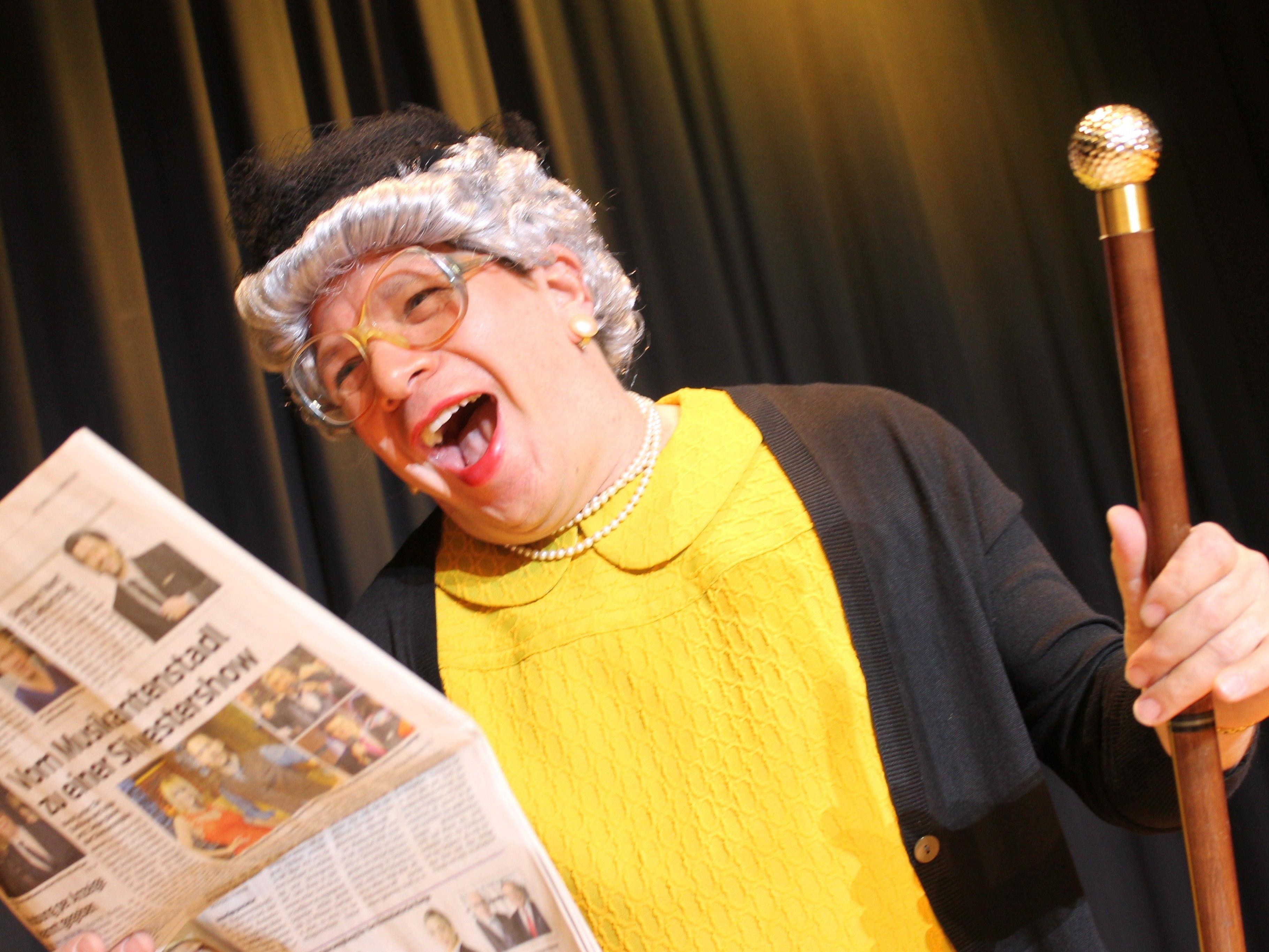 Am 09.03.2017 spielt um 20.00 Uhr Oma Lilli alias Christian Mair sein humorvolles Kabarett auf der Kulturbühne Schruns