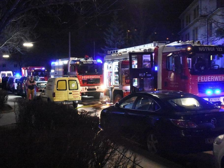 Bei einem Brand in Simmering wurde ein Frau schwer verletzt