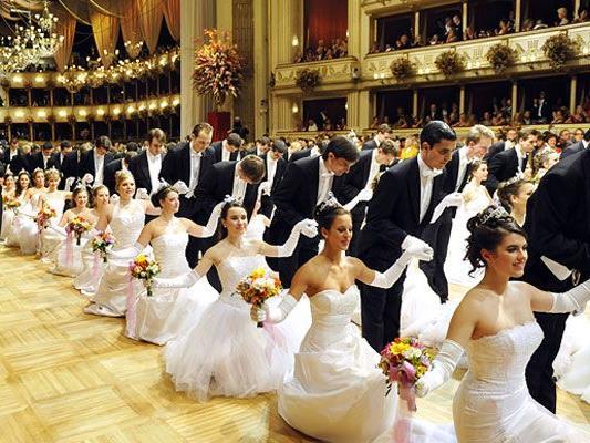 Ein besonderes Highlight ist die Eröffnung des Opernballs.