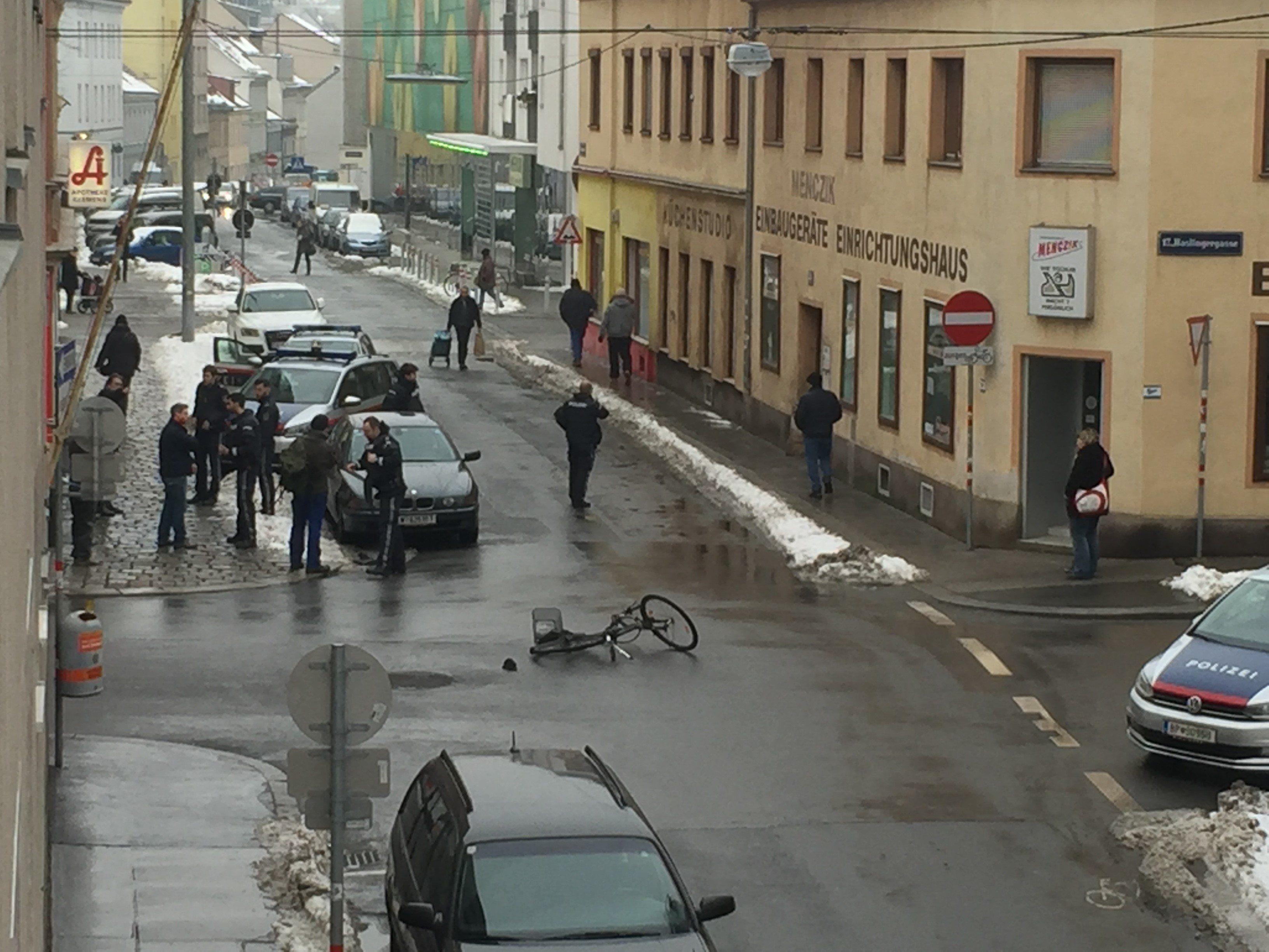Der Streit zwischen einem Radler und einem Autolenker in Hernals eskalierte