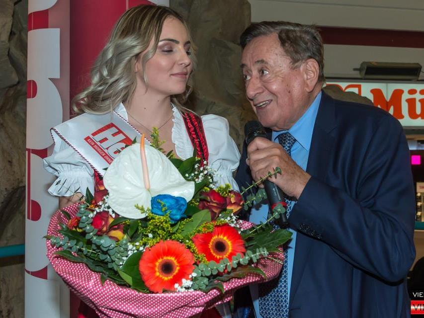 Richard Lugner und seine frisch gekürte Opernball-Prinzessin