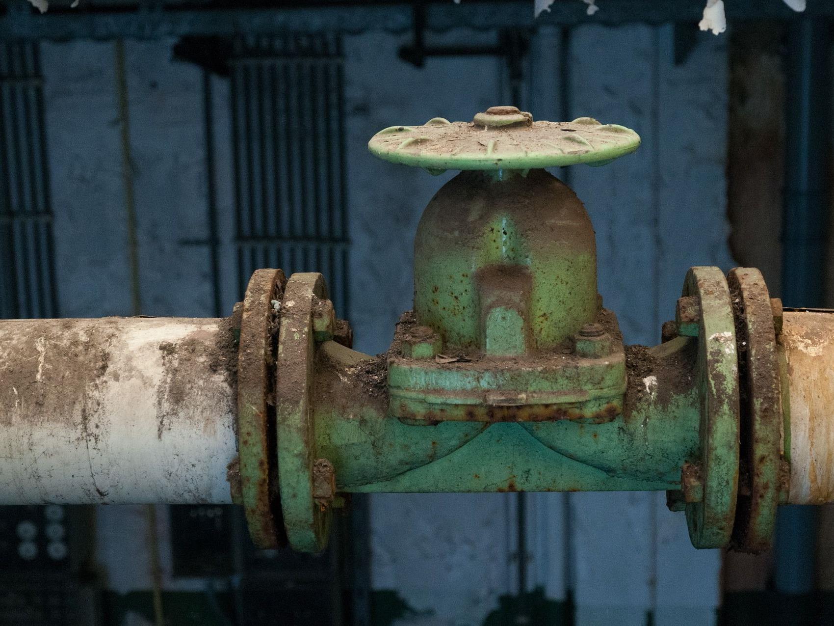 Wegen eines Pipieline-Risses kam es zum Austritt großer Ölmengen in Wien-Donaustadt.