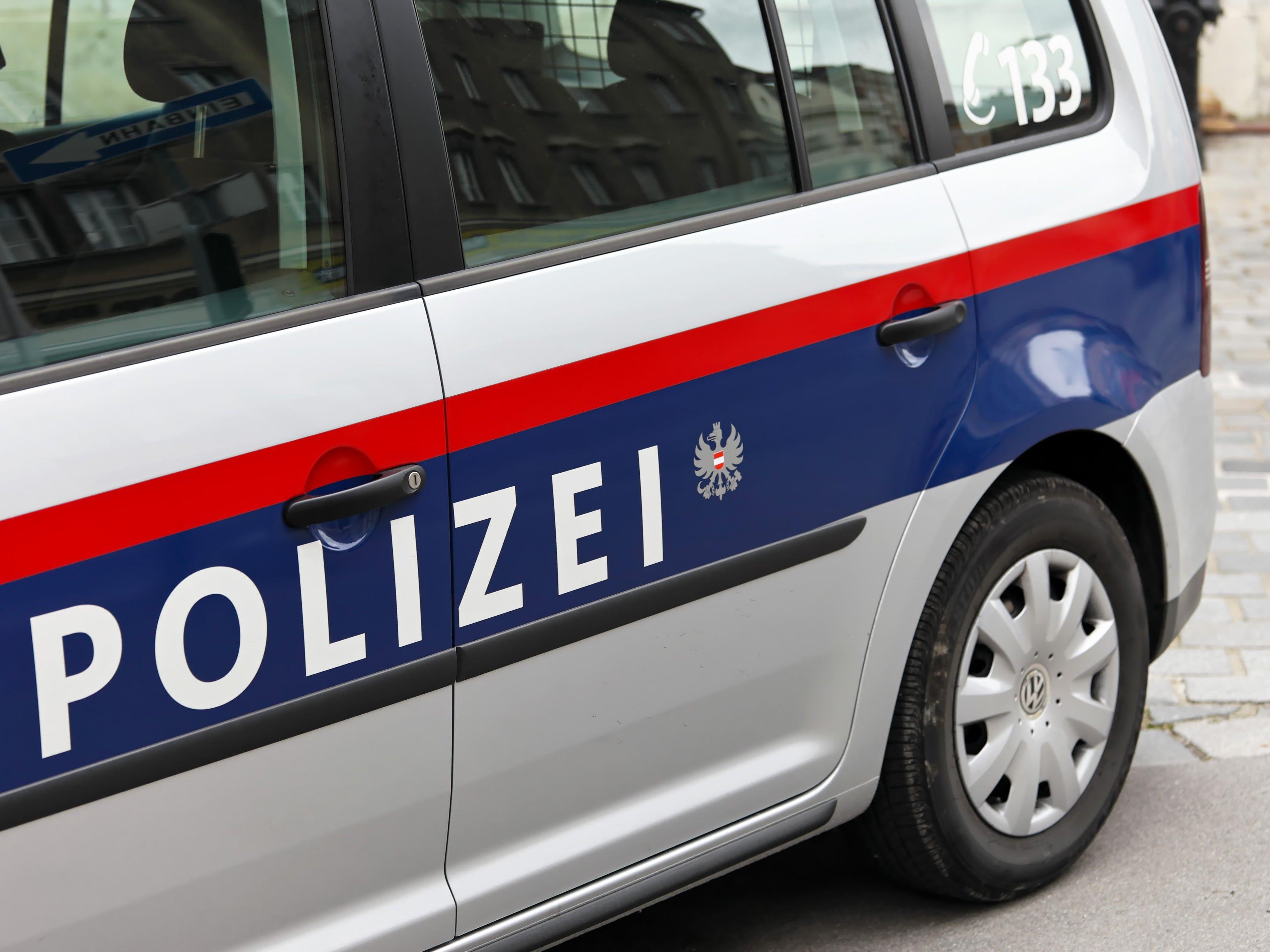 Drei Männer wurden nach einem versuchten Einbruch festgenommen.