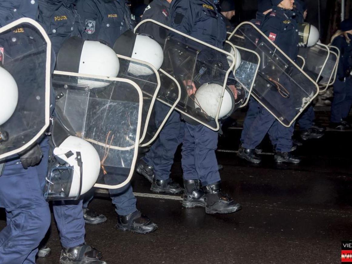 Die Polizei veröffentlichte eine Akademikerball-Doku.