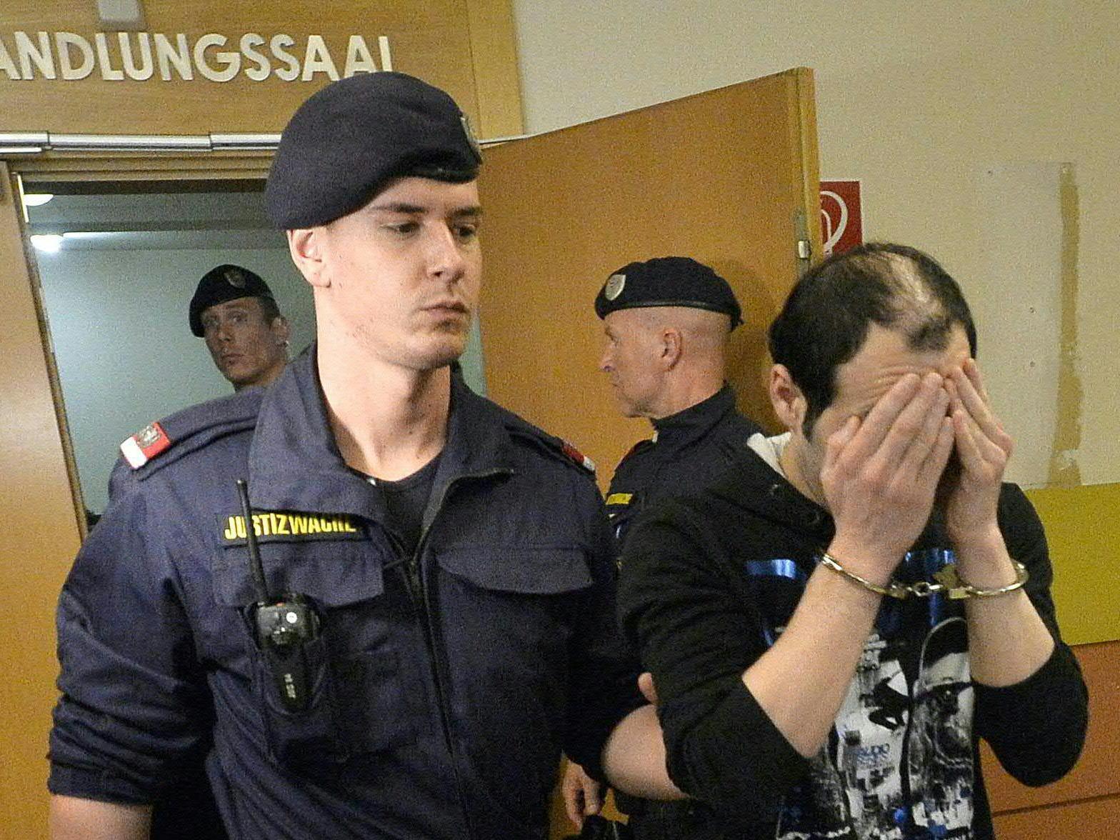 Am Dienstag startete der Prozess um die Gruppenvergewaltigung.