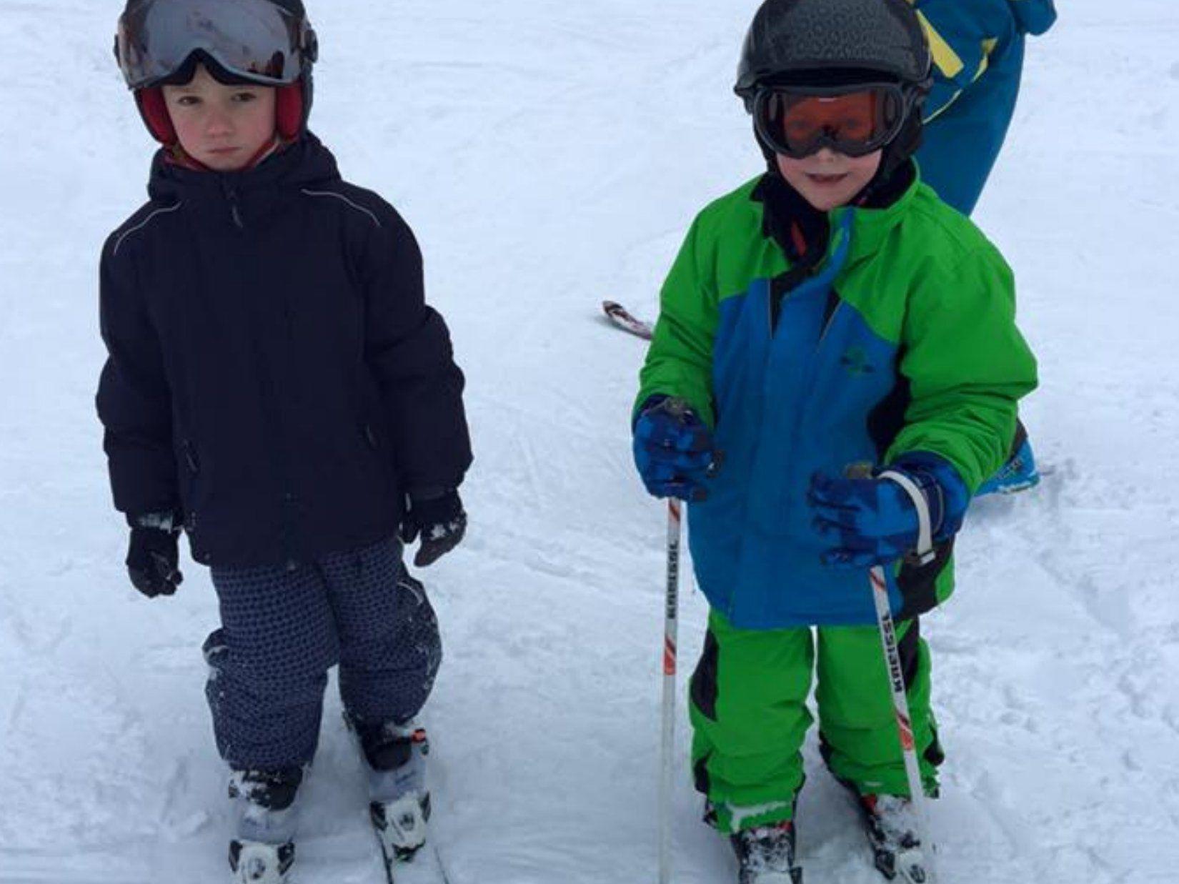 Die jungen Skifans freuen sich auf die Skitage am Bödele