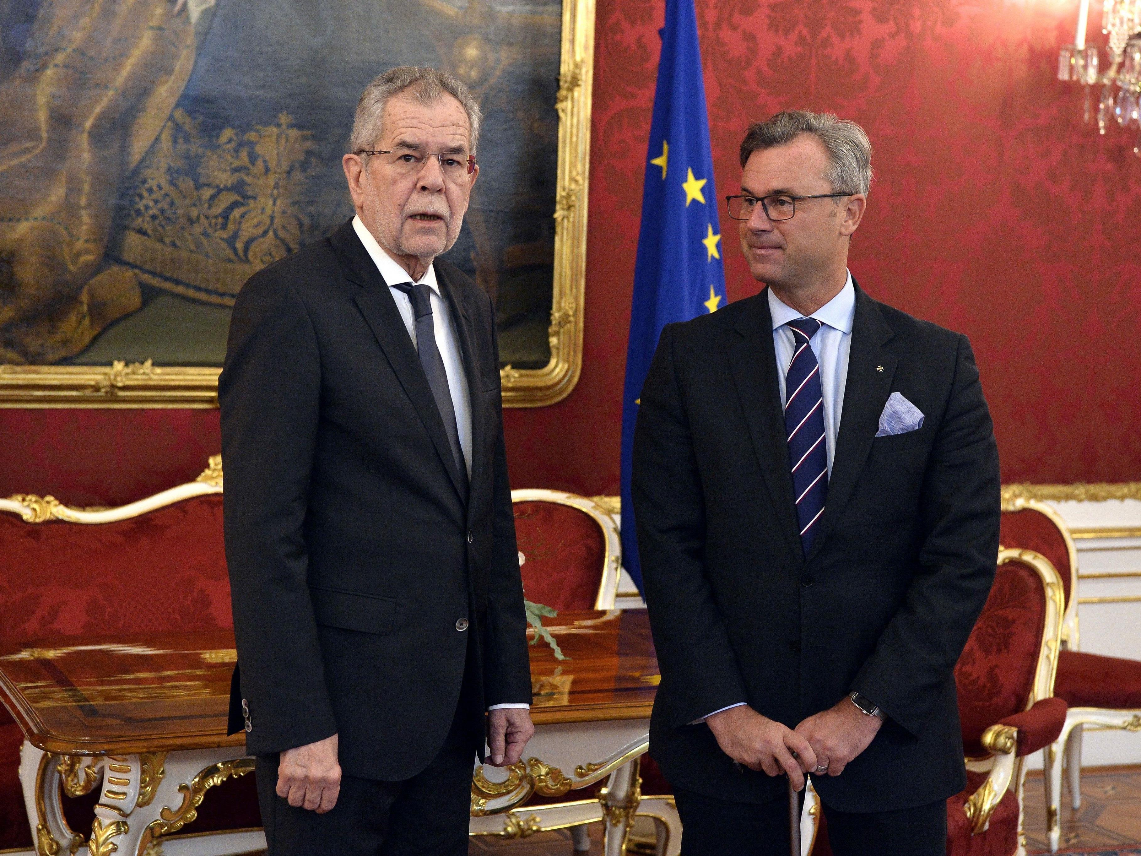 Bundespräsident Alexander Van der Bellen (l.) und der Dritte Nationalratspräsident Norbert Hofer (r.) im Rahmen des Gespräches