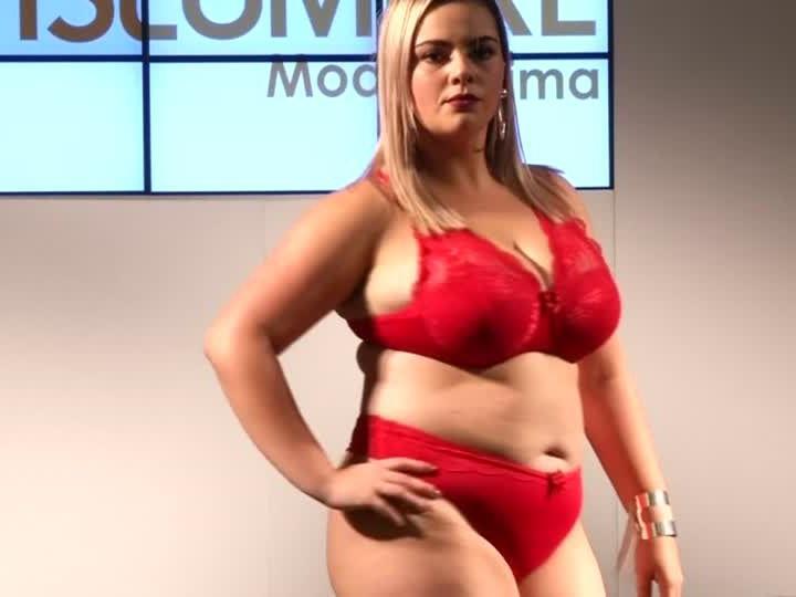 Immer mehr Modemarken setzen auf Kleidung ab Größe 40 aufwärts und weiblichen Rundungen..