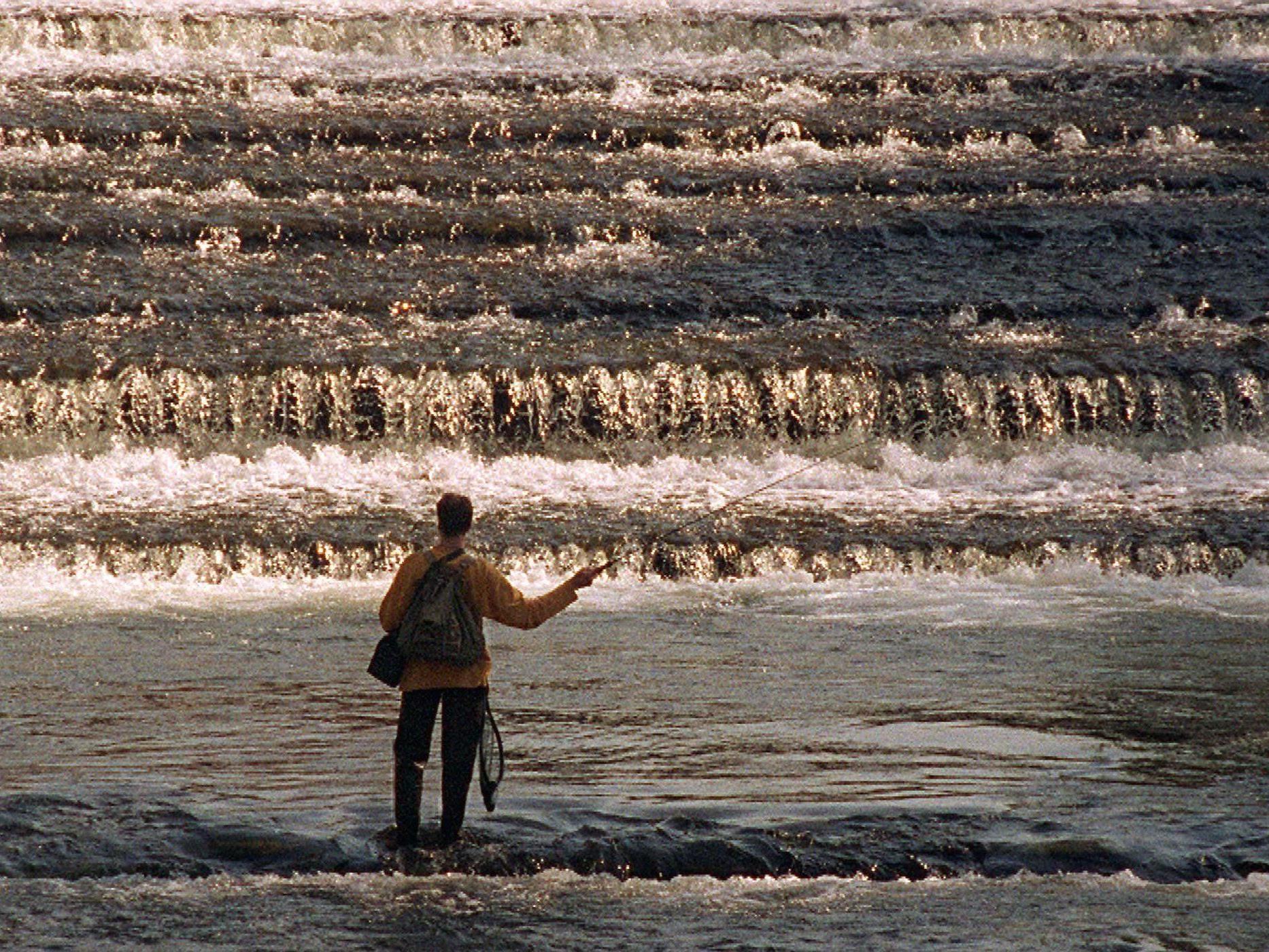 In Salzburg gab es am Wochenende einen Frauen-Fliegenfischer-Kurs.