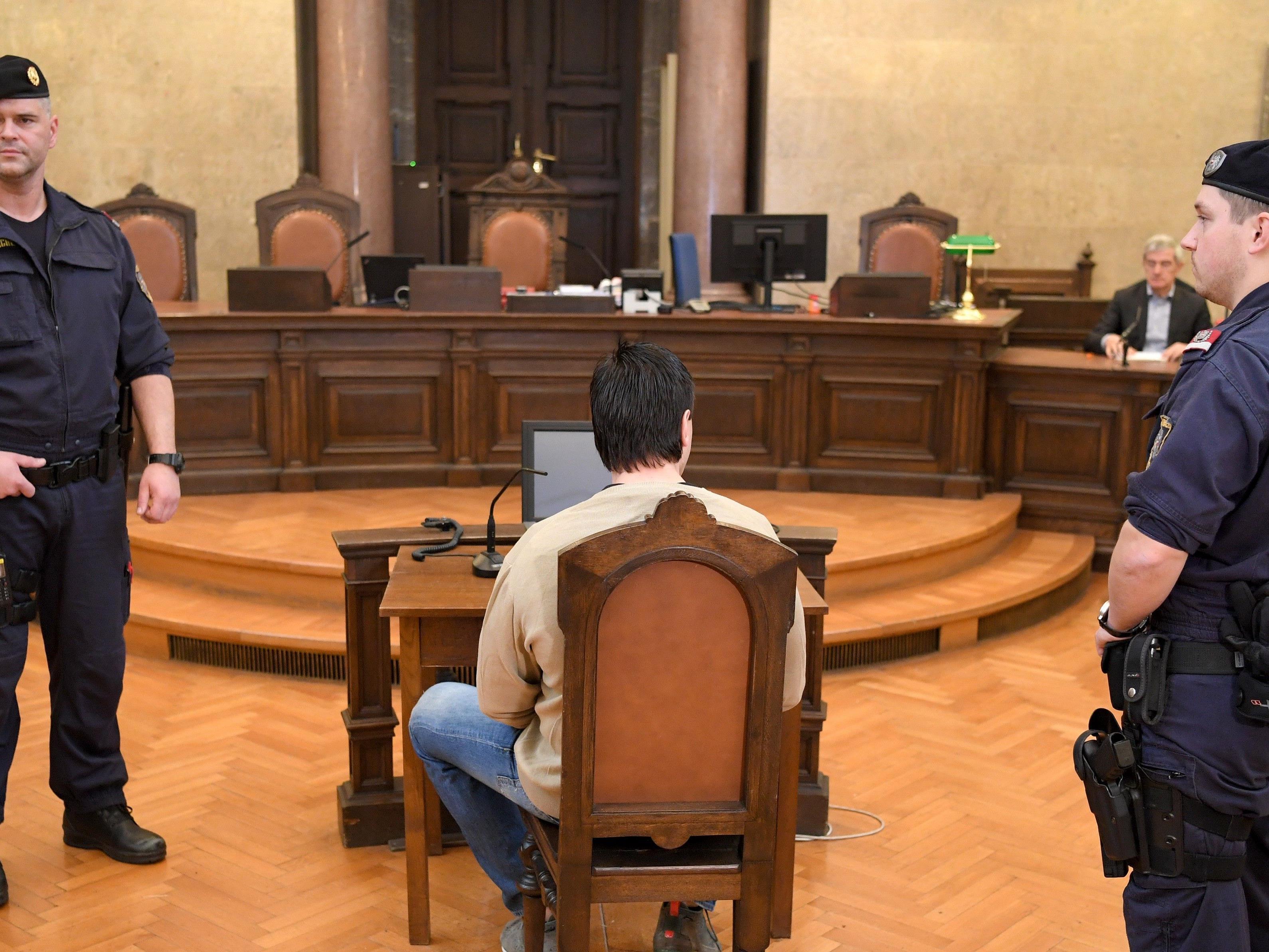 Im zweiten Prozess wurde der Mann zu 20 Jahren Haft verurteilt.