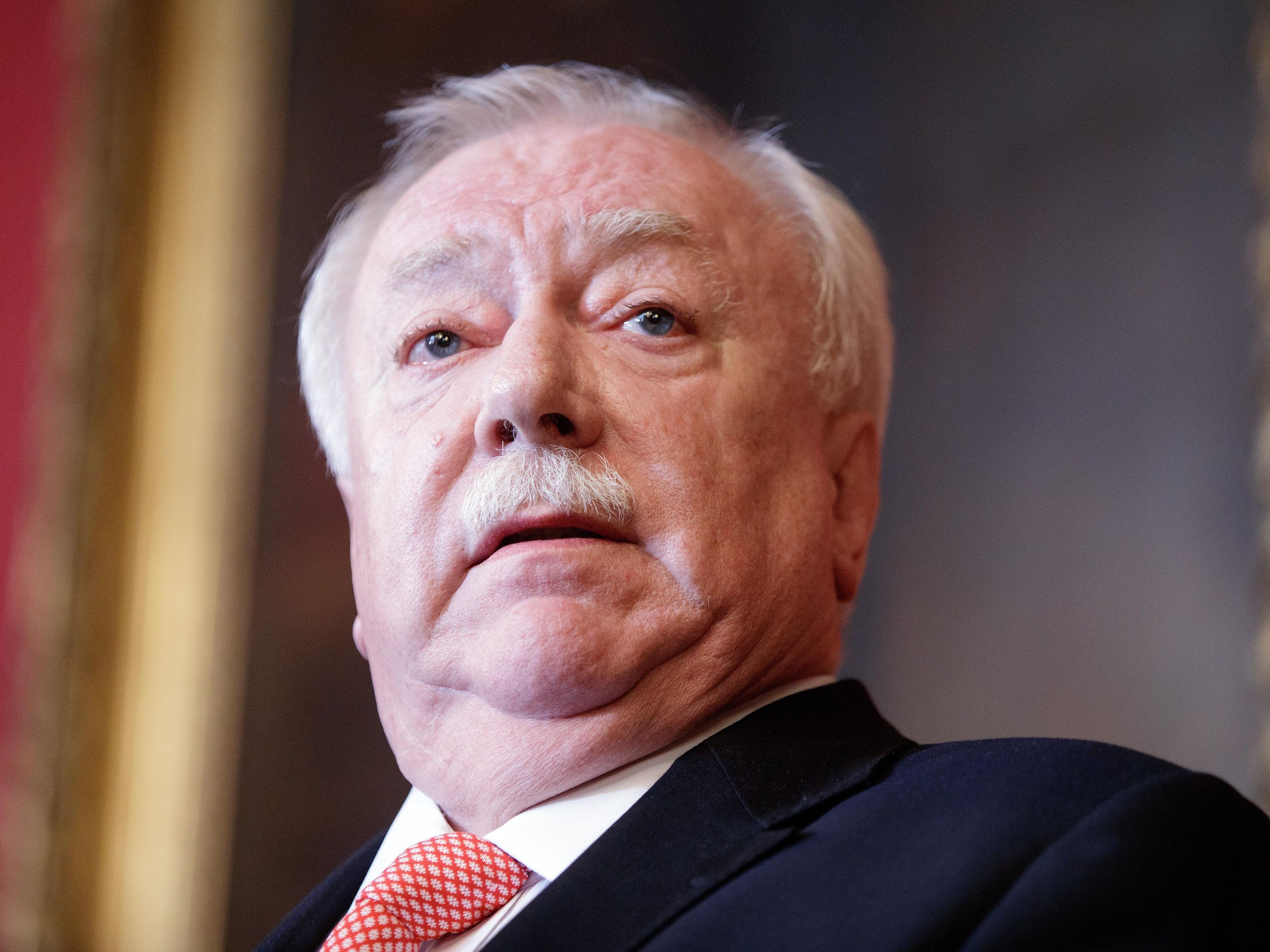 Der Wiener SPÖ-Chef und Bürgermeister Michael Häupl hat seine politischen Muskeln spielen lassen.