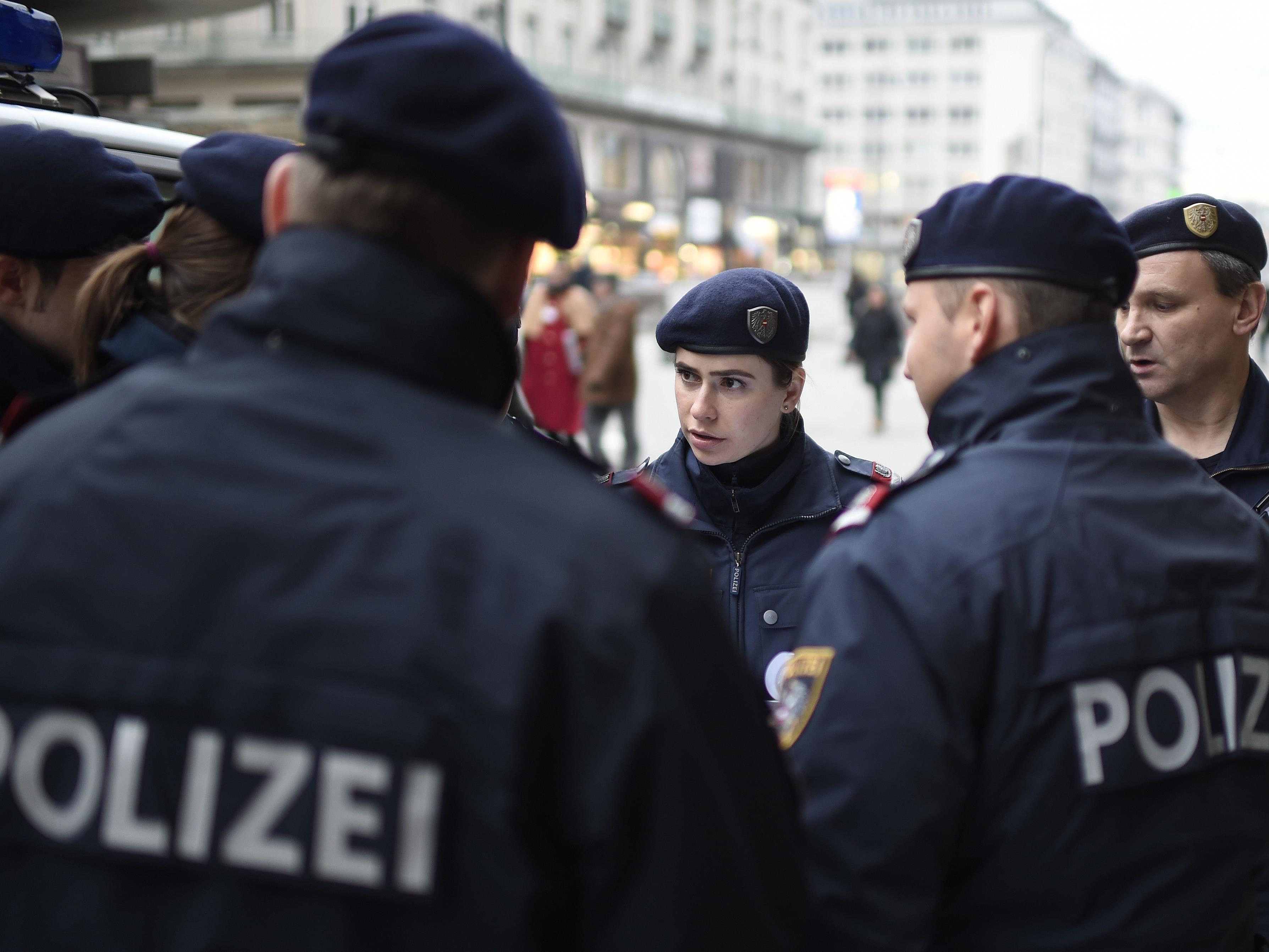 Ein Bettler attackierte Polizisten in der Skodagasse