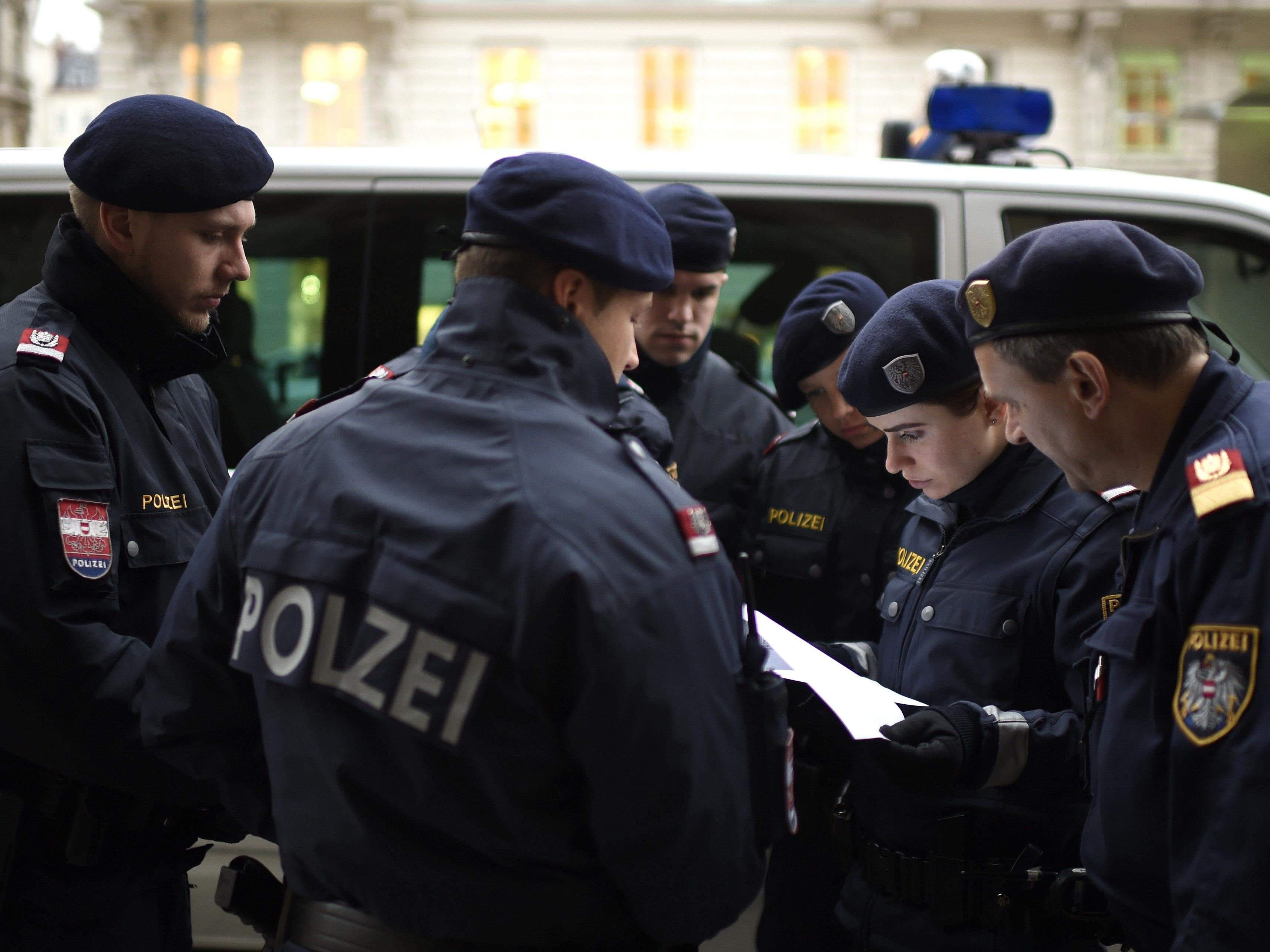 Mehrere Personen wurden in Ottakring bei einer Schwerpunktaktion angezeigt bzw. verhaftet