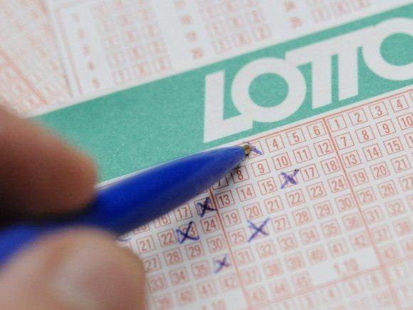 Beim Lotto winkt mehr Geld als gewöhnlich