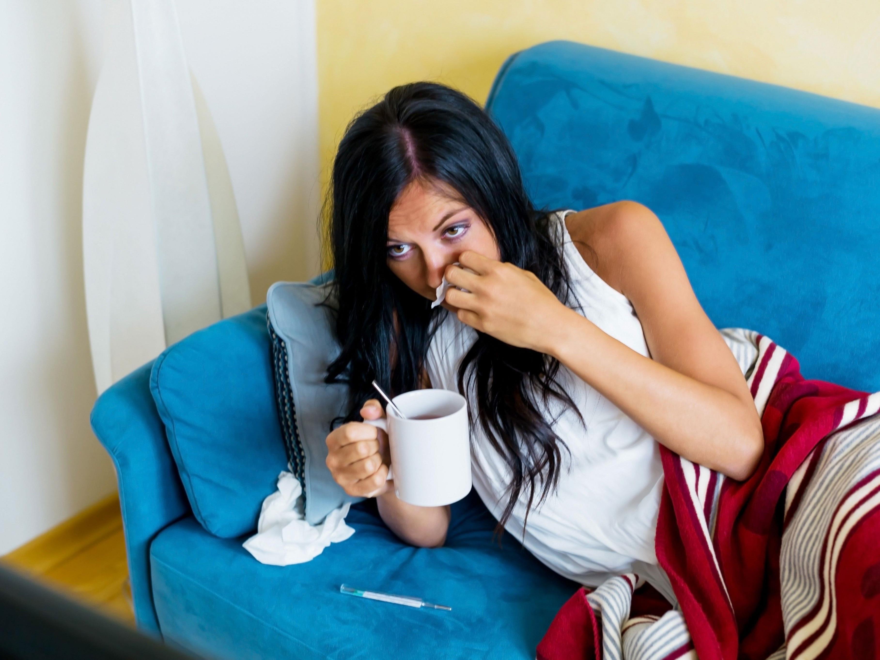 Krankenstände können kontrolliert werden - doch wie läuft es ab, wenn man zuhause Kontrollbesuch bekommt?