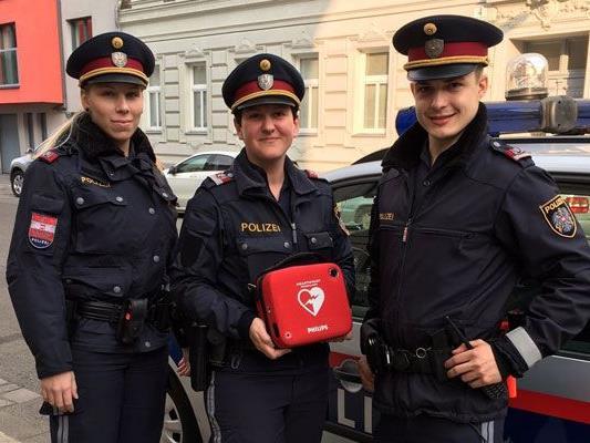 Lebensrettung dank sofortigem Defibrillator-Einsatz.