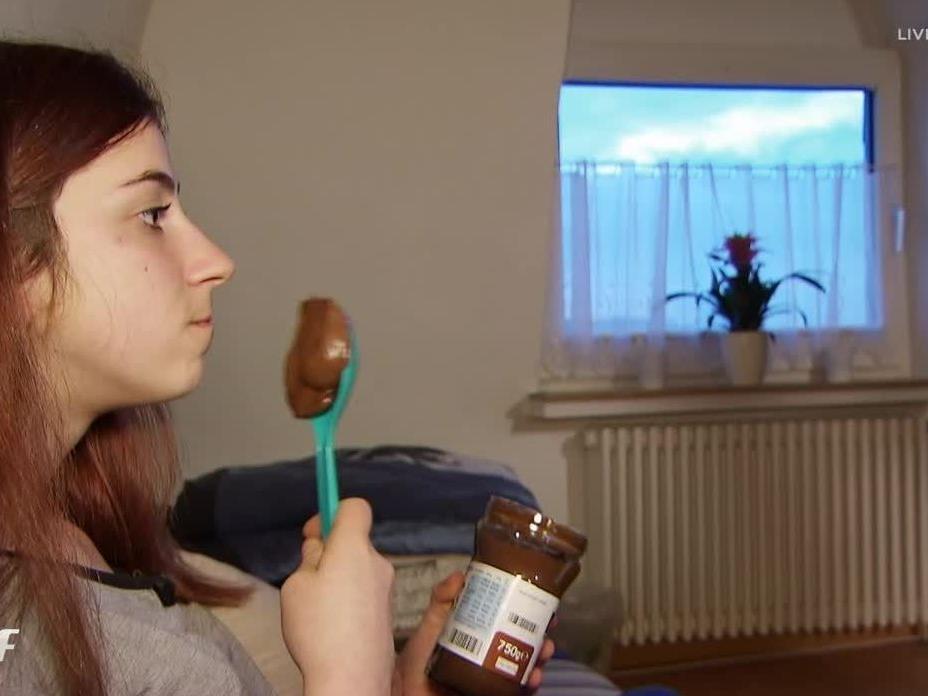 Sie isst ein Glas Nutella pro Tag.