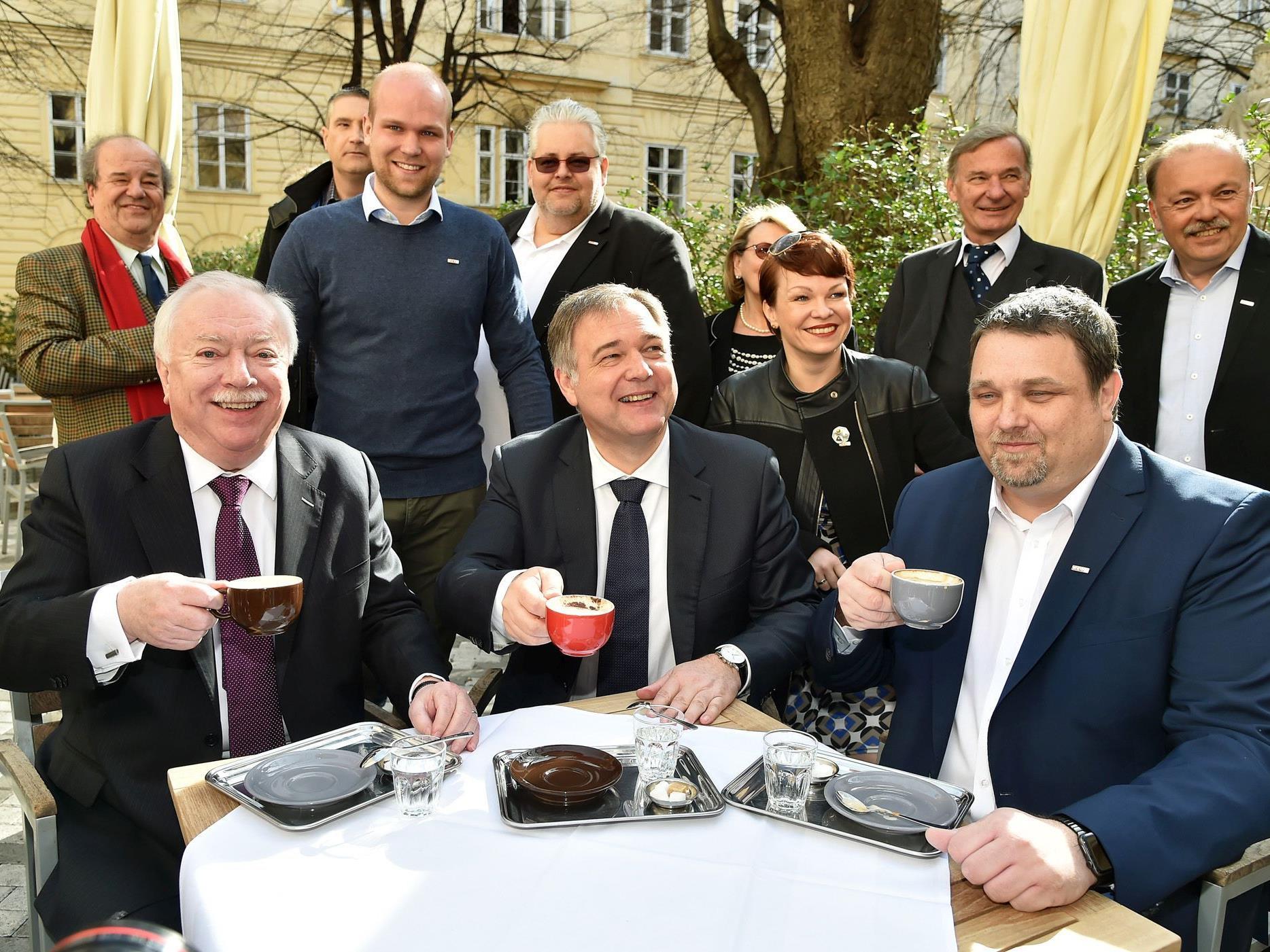 Bürgermeister Michael Häupl eröffnete offiziell die Schanigarten-Saison.