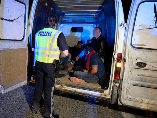24 Mitglieder einer irakisch-syrischen Schlepperbande festgenommen