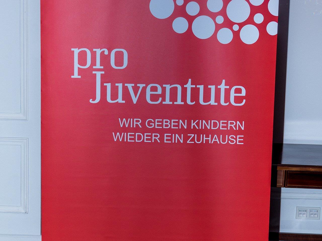 70-Jahre-Jubiläums-Charity mit Trachtenmodenschau - Austria Trend Parkhotel Schönbrunn - 03.04.2017