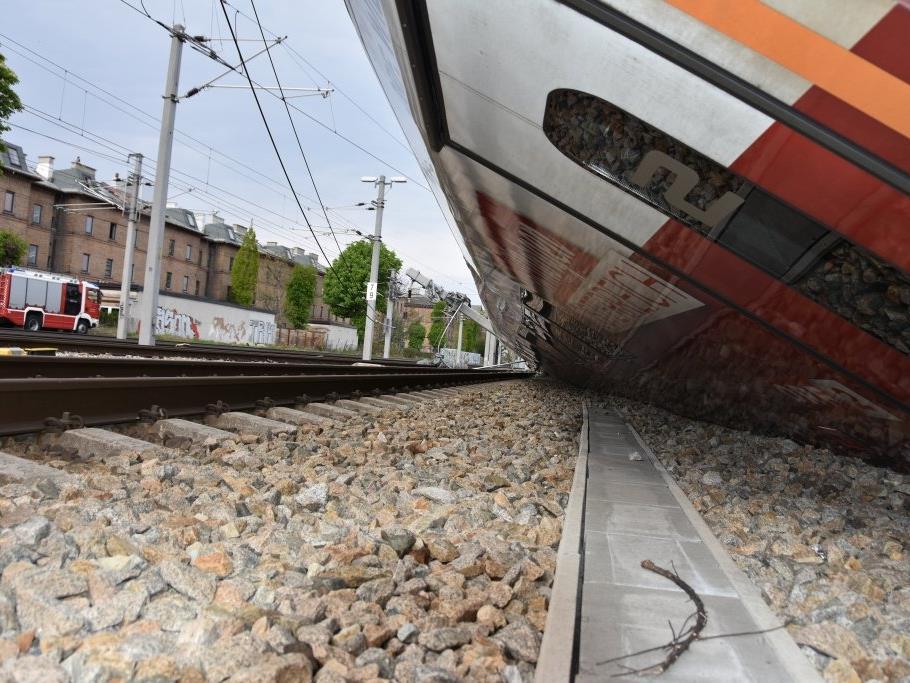 Nach der Zuk-Kollision in Wien-Meidling müssen 200 Meter Gleis getauscht werden.