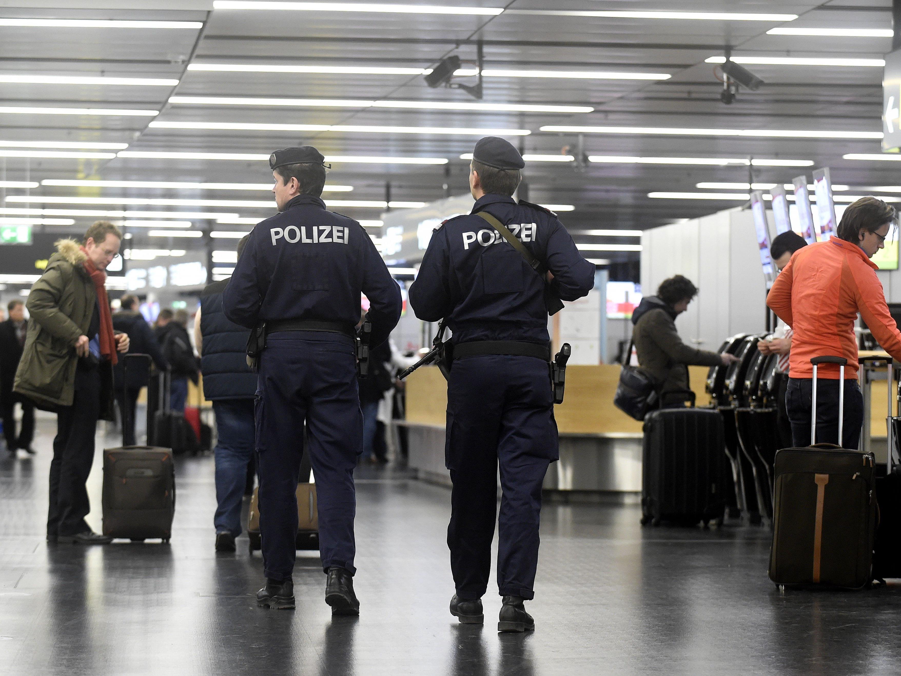 Der deutsche Soldat wurde am Wiener Flughafen festgenommen.