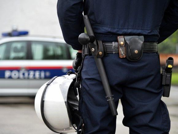 In Wiener Neustadt gingen am Freitag wieder Bombendrohungen ein.