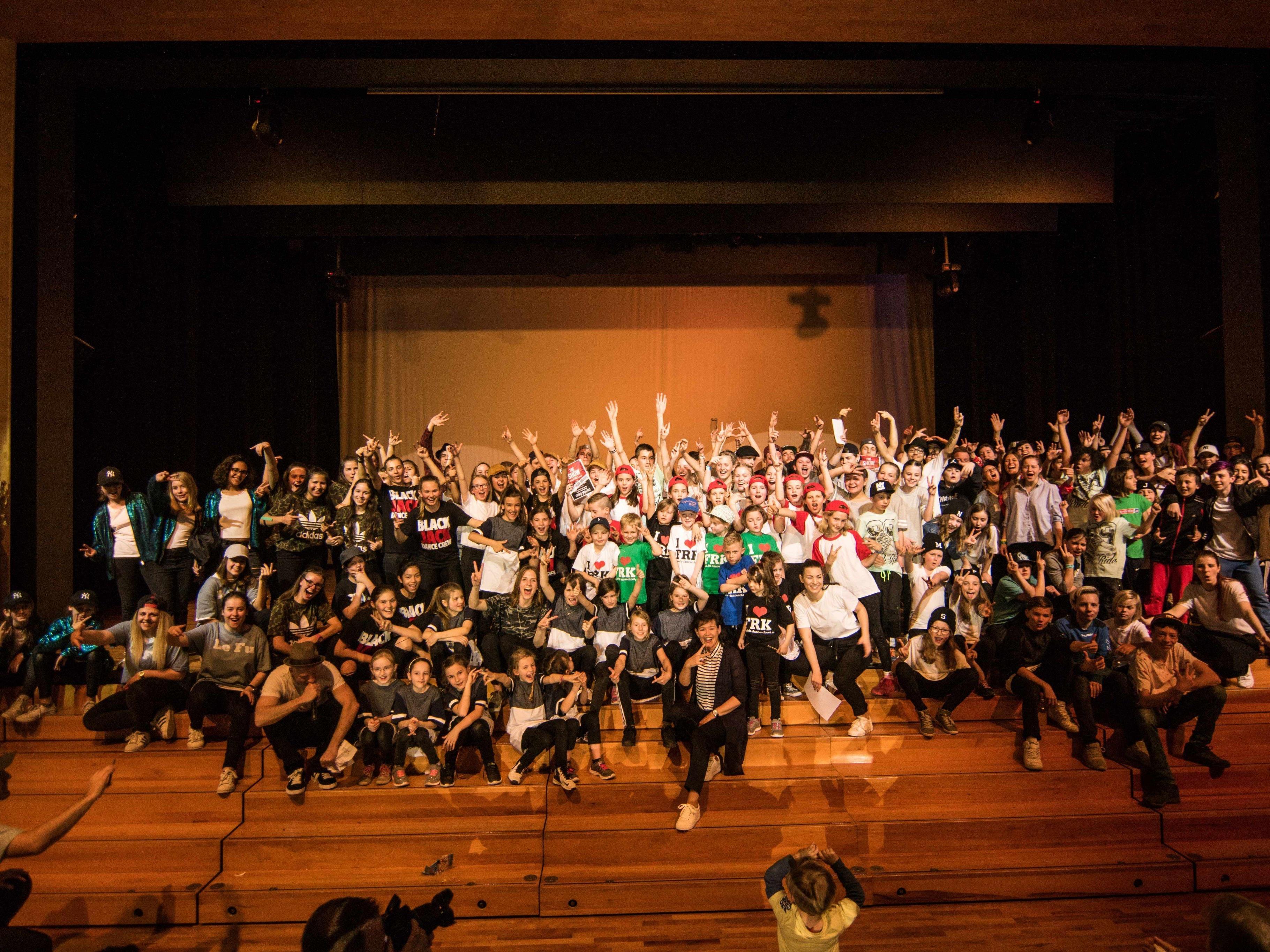 Alle Mitglieder der FRK Dance School Academy Dornbirn sorgten mit ihren tollen Shows für grandiose Stimmung.