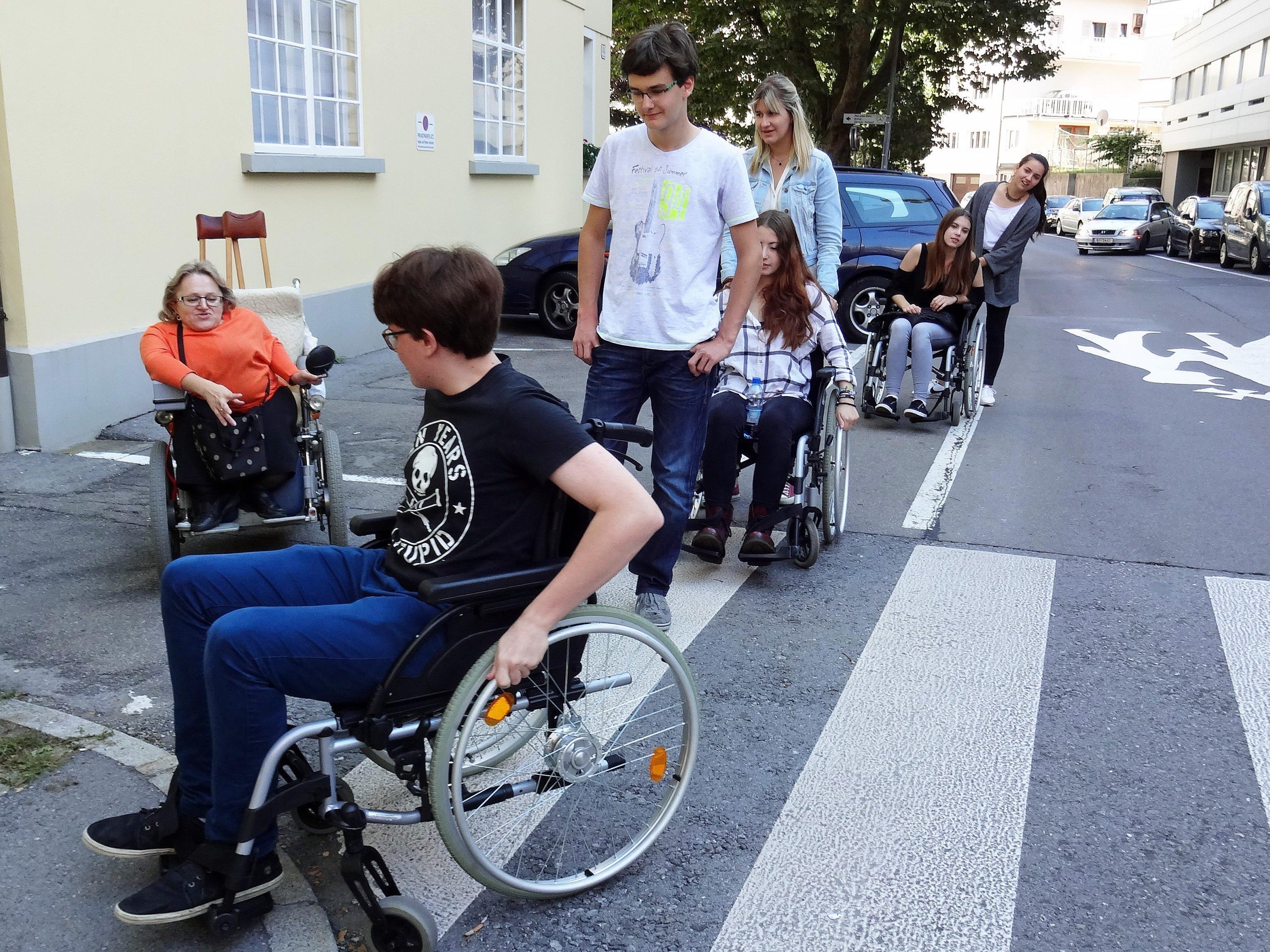"""Menschen mit Beeinträchtigungen den Alltag im öffentlichen Verkehr zu erleichtern ist das Ziel des Projekts """"Mitanand mobil!""""."""
