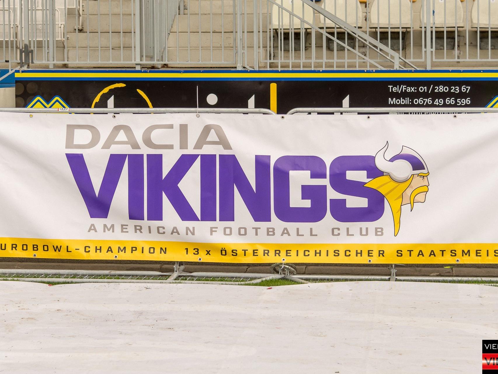 American Football - Dacia Vikings vs. Cineplex Blue Devils - Stadion Hohe Warte - 17.04.2017 Teil 1/2