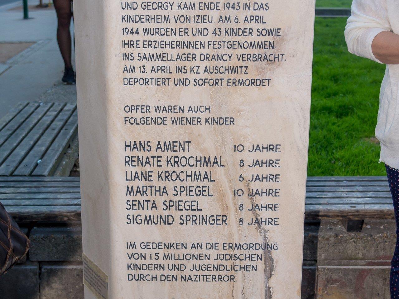 Enthüllung des Gedenksteins Kinder von Izieu - Schwedenplatz Wien - 03.04.2107