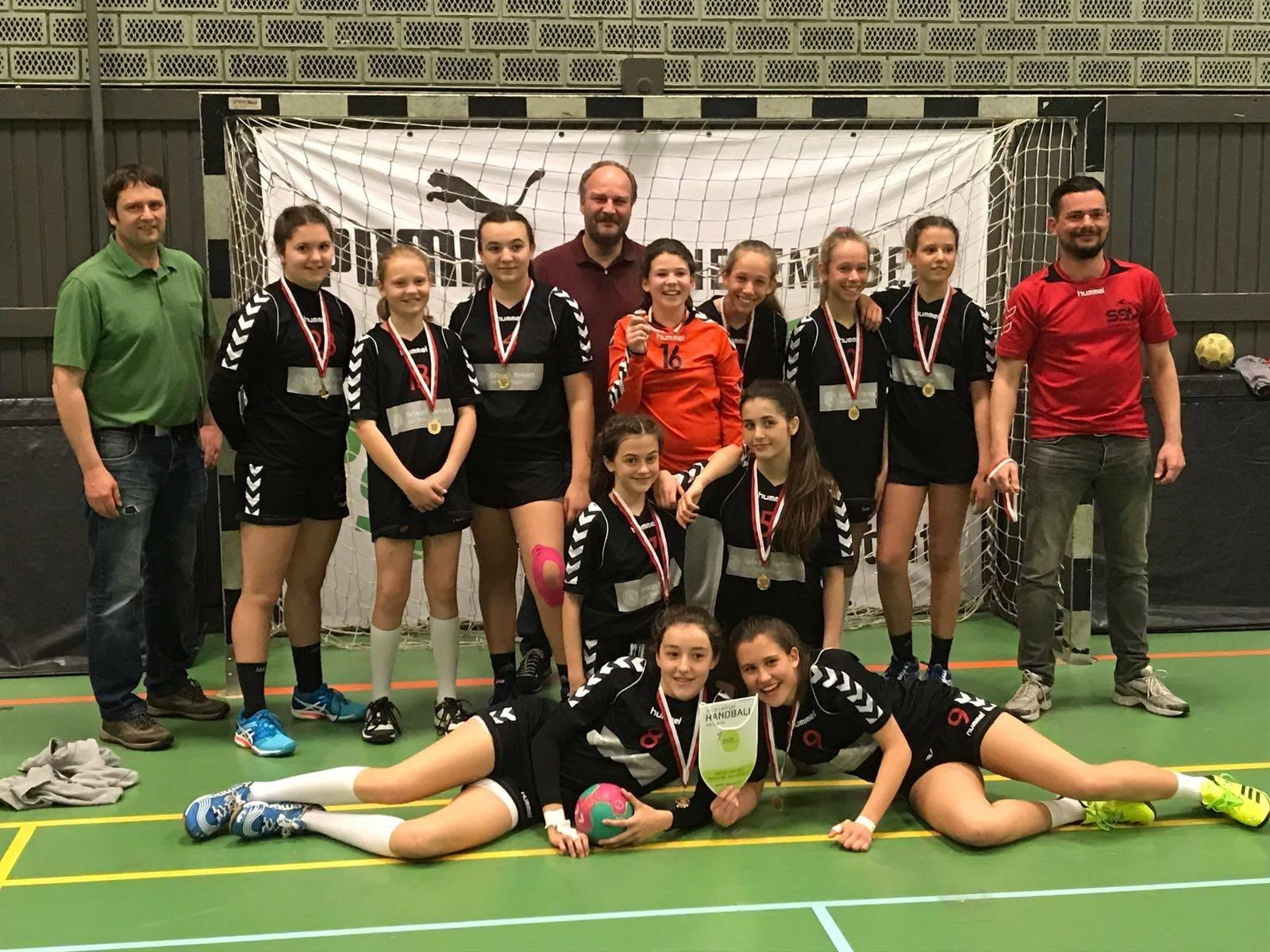 So sehen Landesmeister aus: Das erfolgreiche U13-Team des SSV Dornbirn Schoren.