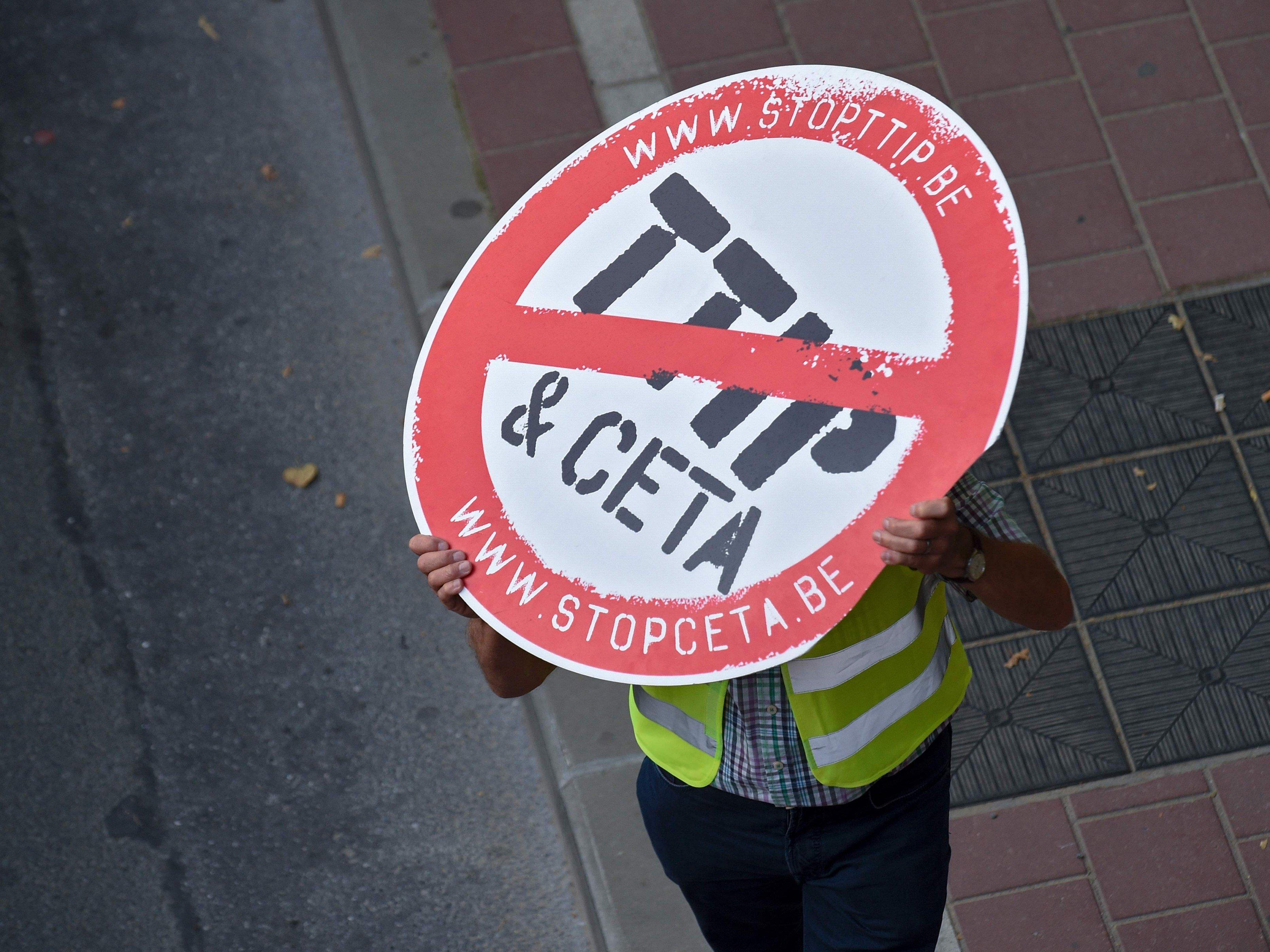 Das Volkbegehren gegen die Freihandelsabkommen ist eingelangt