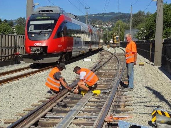 Erneuerung von Weichen und Gleisanlagen