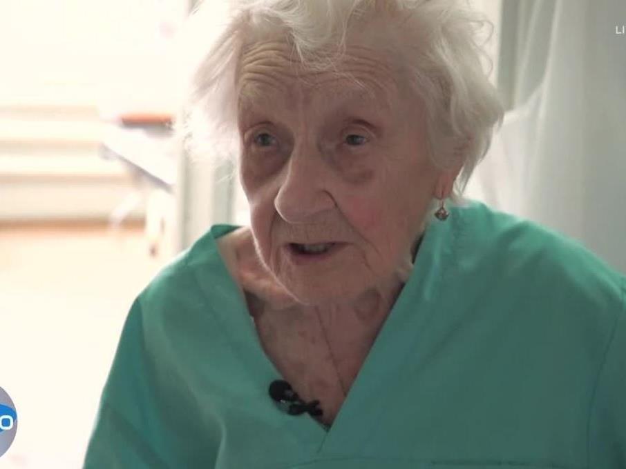 Die Russin ist 89 Jahre alt und steht noch im Op.