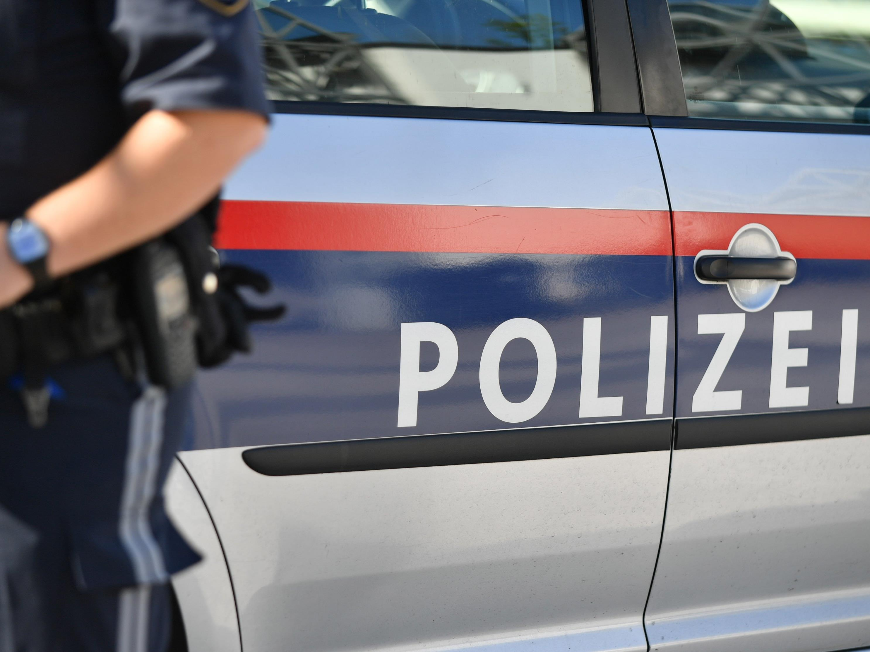 Die Polizei nahm die beiden Verdächtigen fest.