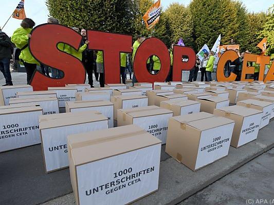 Nationalrat beschäftigt sich mit CETA-Volksbegehren