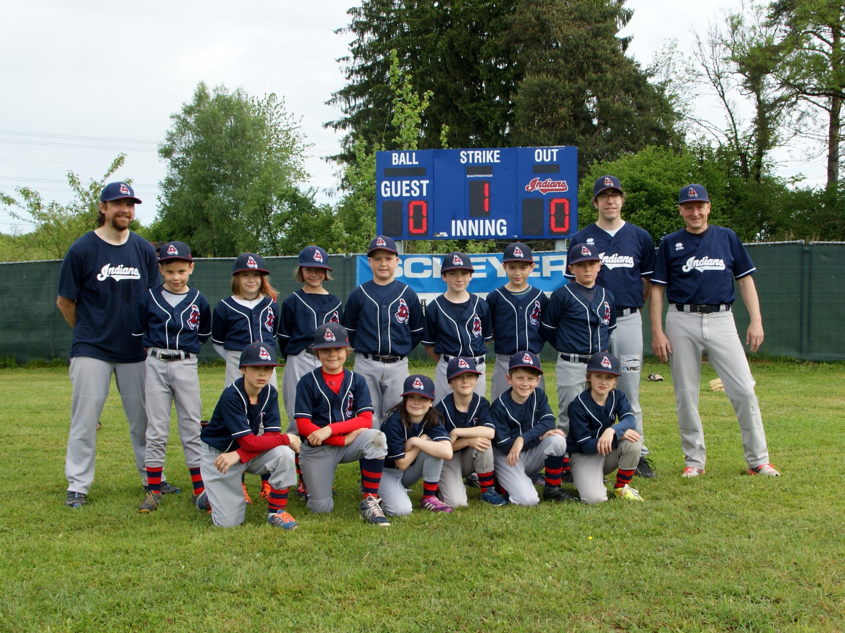 Groß und Klein (im Bild die U10 der Indians) beim BSC freut sich, dass man endlich einen professionellen Baseballplatz erhält.