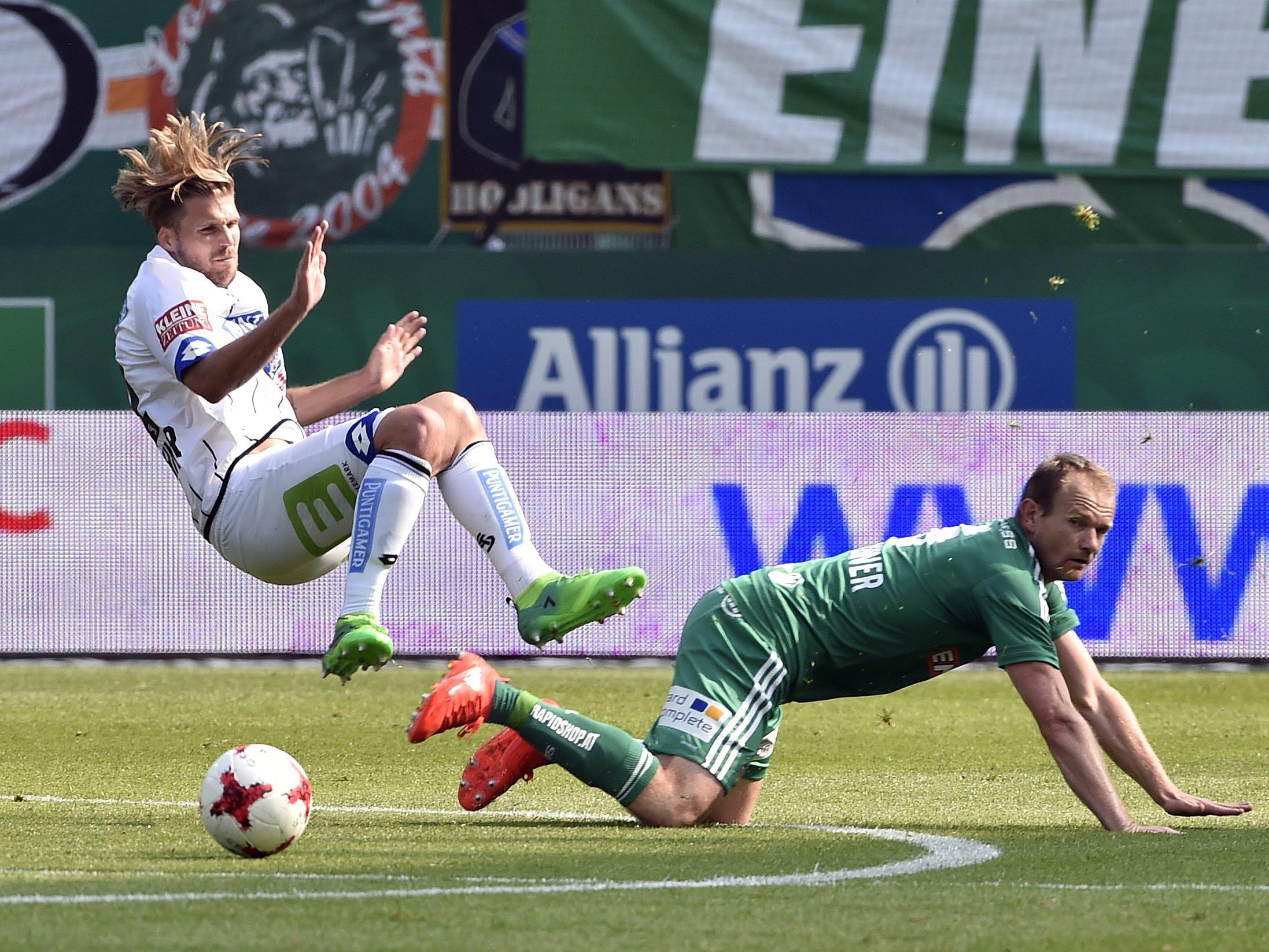 Mario Sonnleitner (r.) und der SK Rapid bleiben in der tipico-Bundesliga.