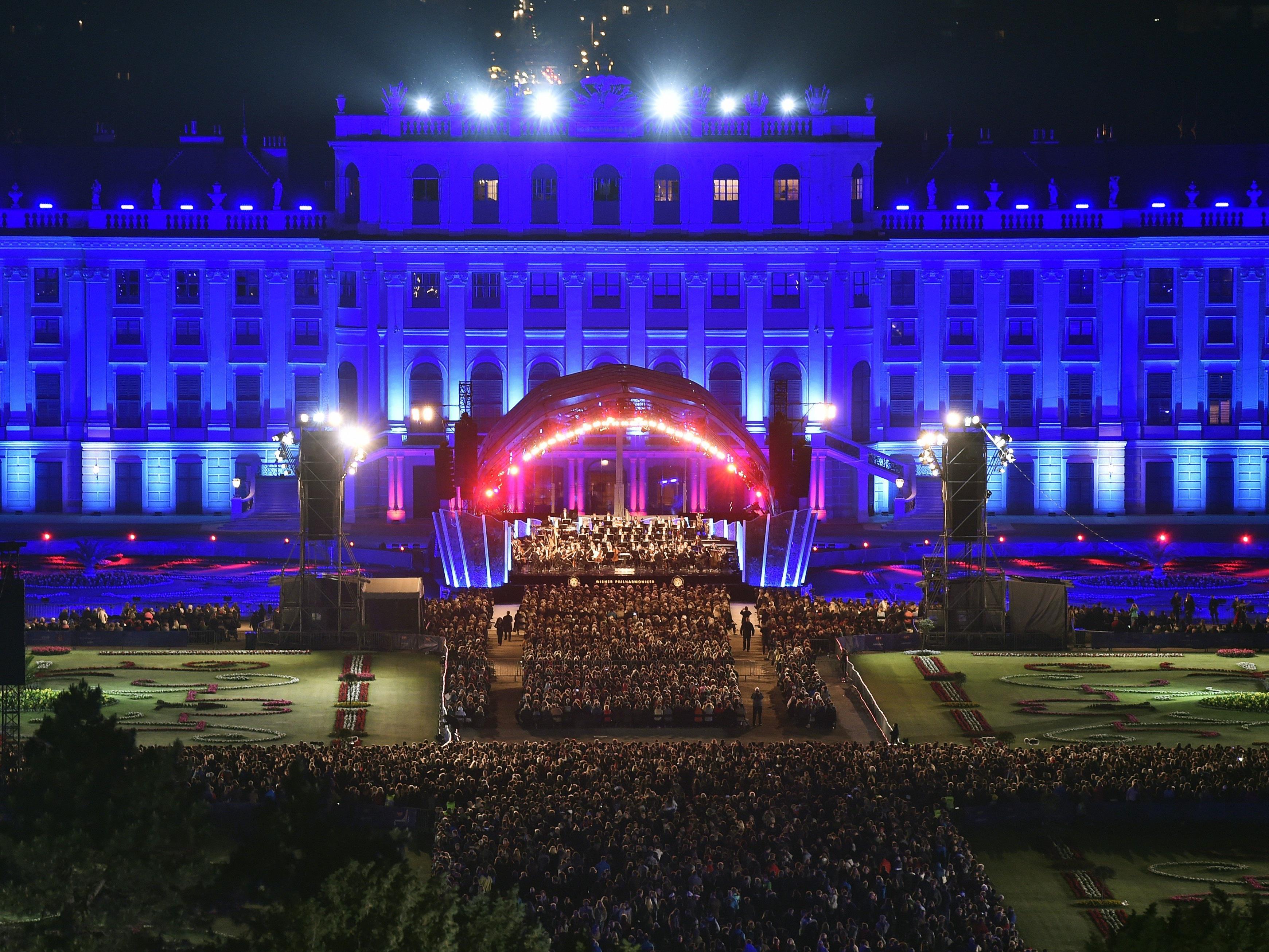 Beim Sommernachtskonzert der Wiener Philharmoniker im Schlosspark Schönbrunn