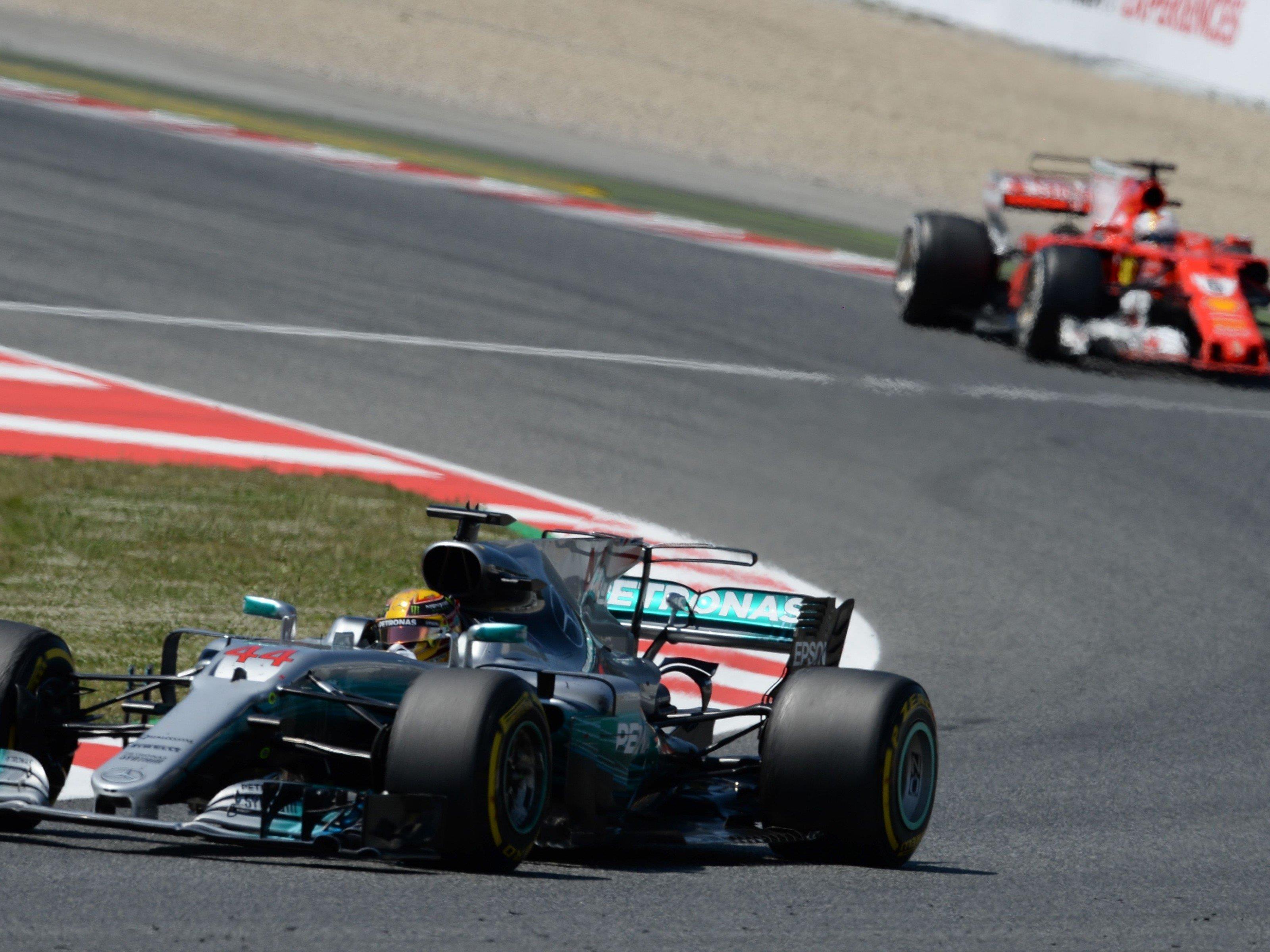 Lewis Hamilton setzte sich in Barcelona gegen Sebastian Vettel durch.